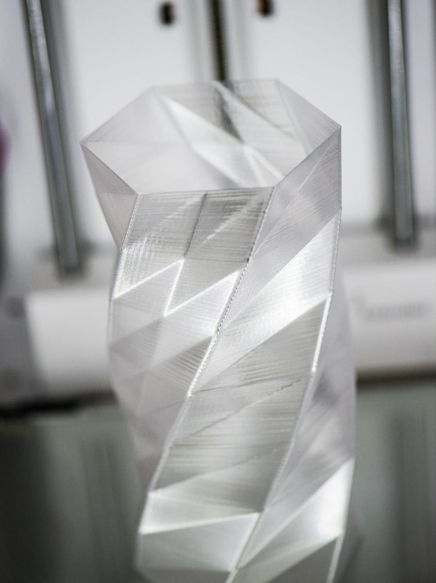 Blomstervase i ColorFabb PLA-materiale som Borgersen har laget for en kunde.