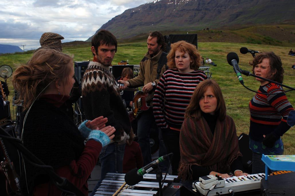 Sigur Rós, vakre kvinner, og sauevis med ullgensere på Island.