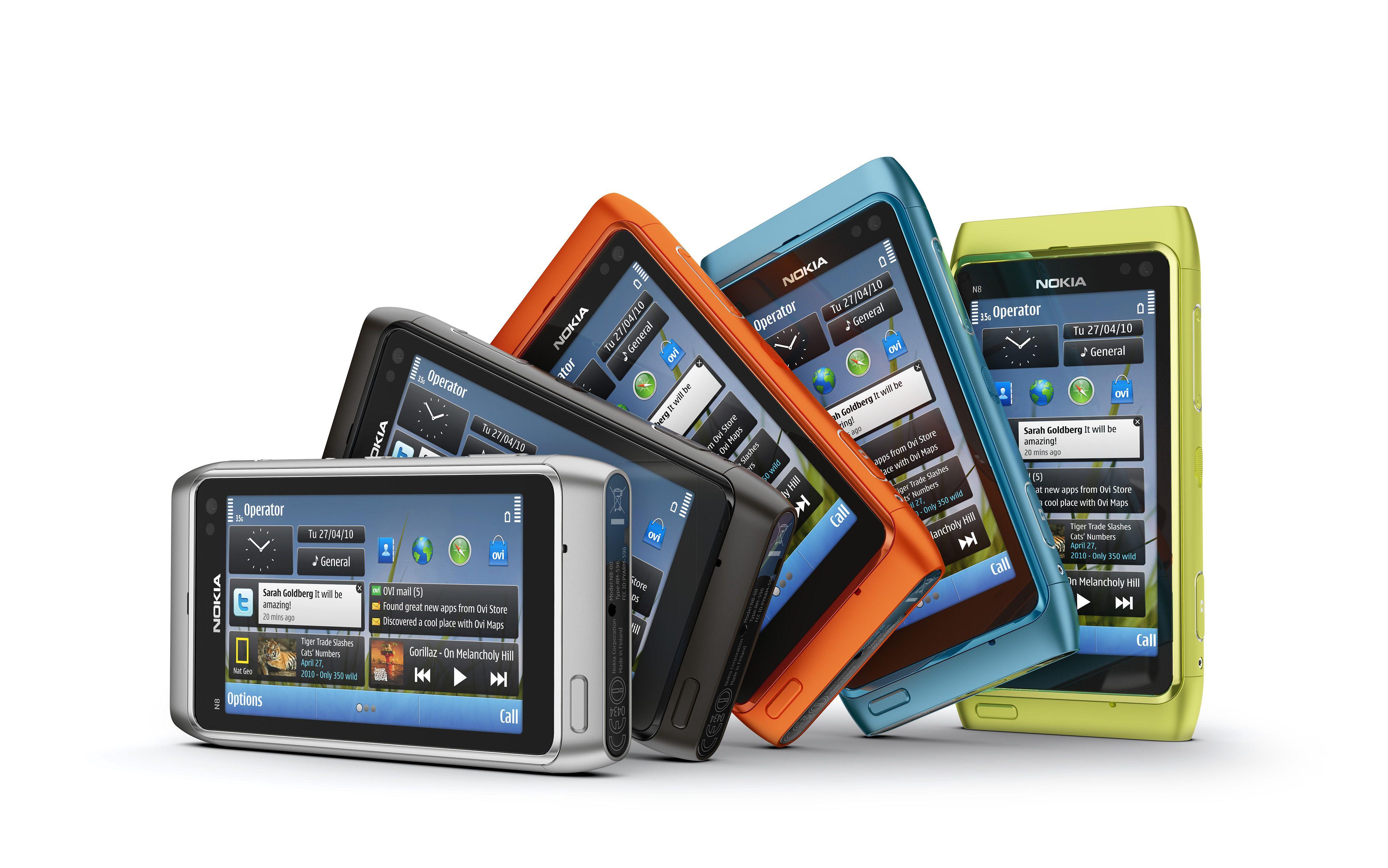 Nokia N8 er Nokias første modell i det nye plastdesignet som siden har preget de fleste av selskapets smartmobiler.