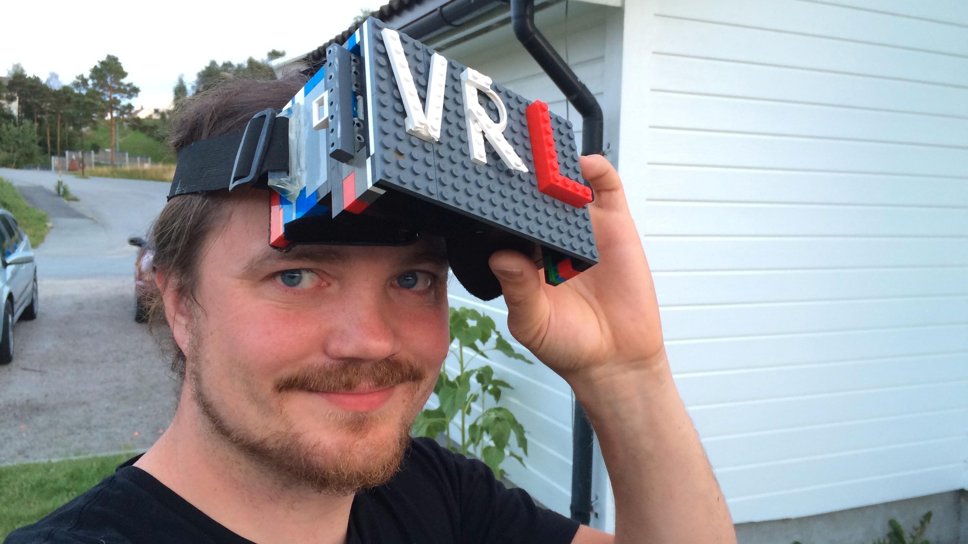 VR-brillene til Odd Arne Roll.