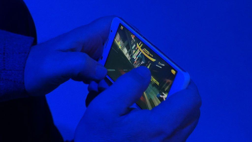 Telefonen er godt egnet til mobilspill.