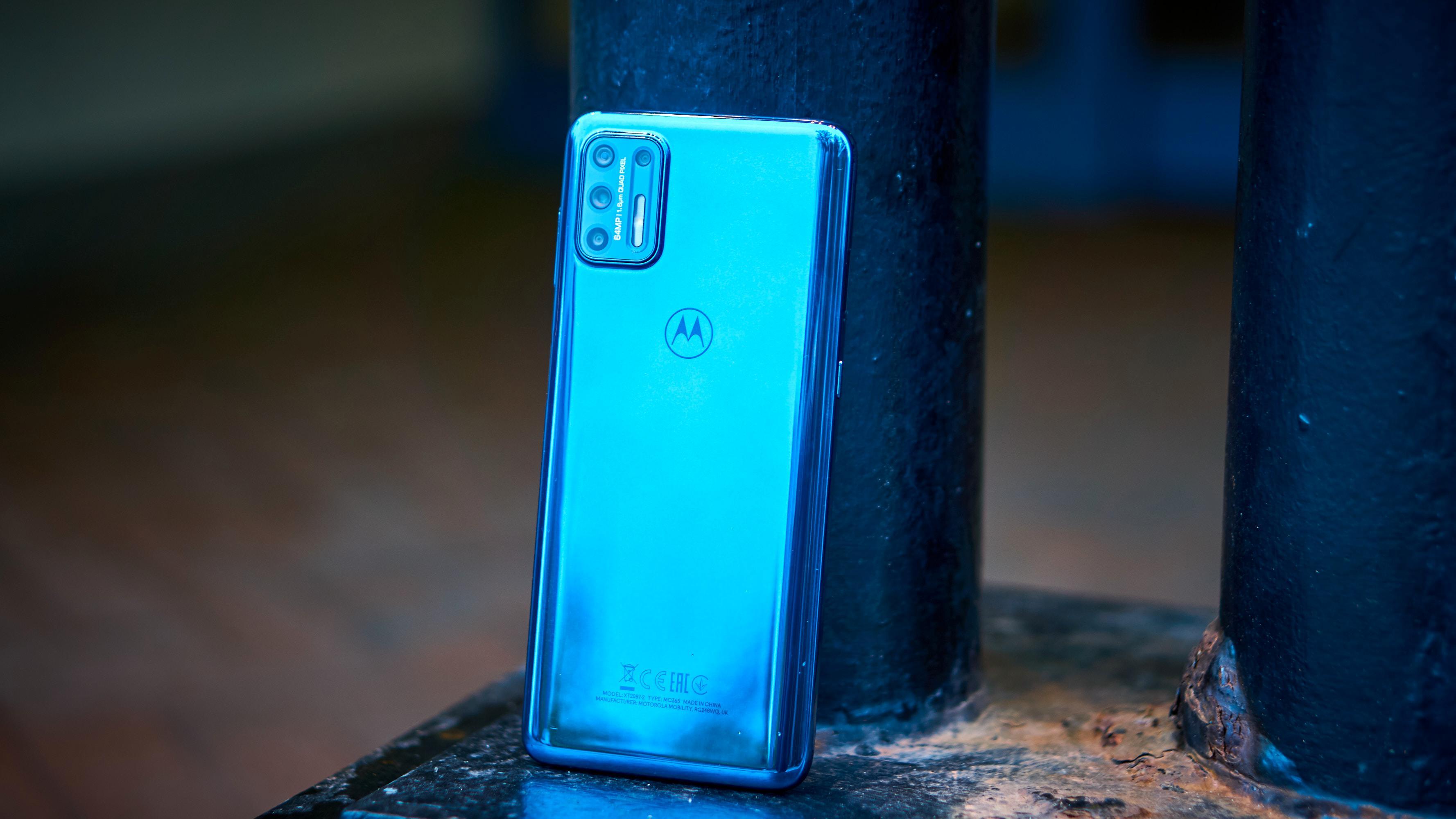 Motorola har laget en telefon med unibody i plast.