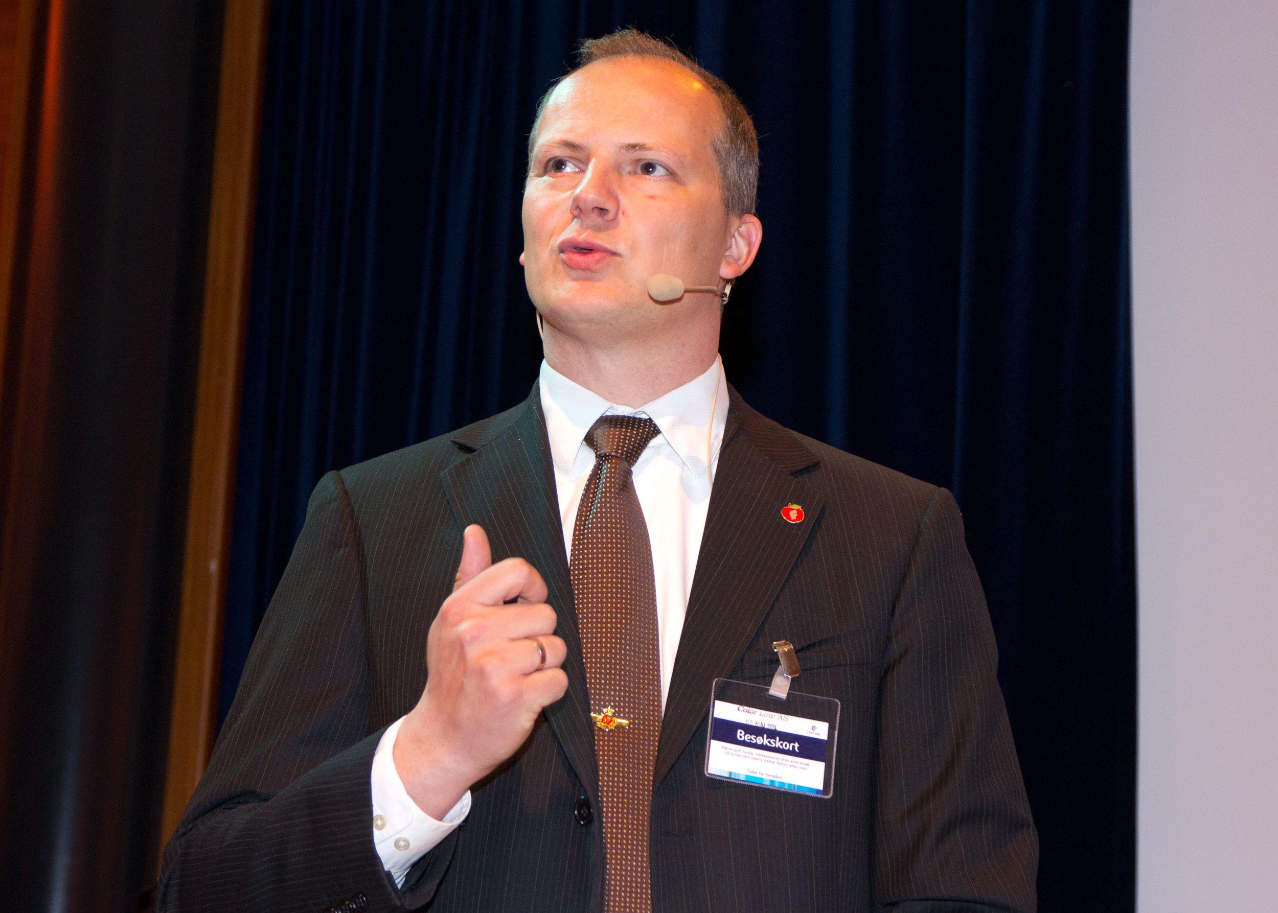Statsråd Ketil Solvik-Olsen vil gjøre regelverket enklere.Foto: Rolf B. Wegner, Hardware.no