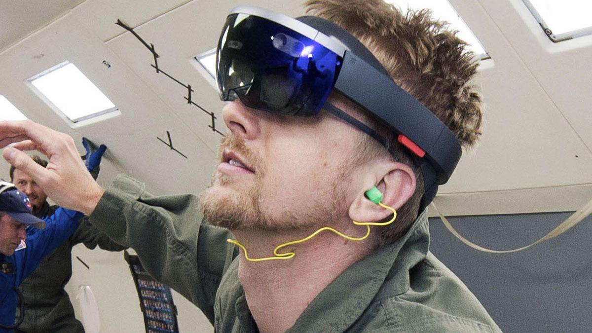 Nå skal astronautene få HoloLens-briller
