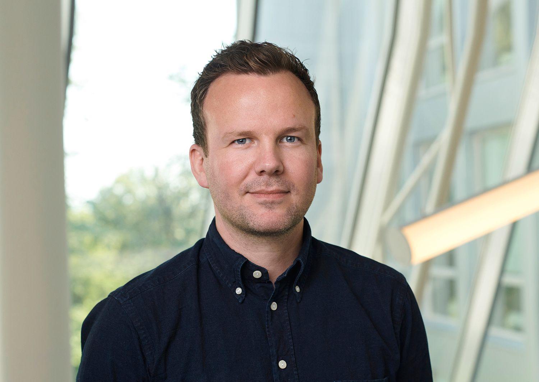 Håkon Lofthus er kommersiell direktør for privatmarkedet i Telia, og sier at de nå har en befolkningsdekning på godt over 100.000 nordmenn med 5G-nettet sitt.
