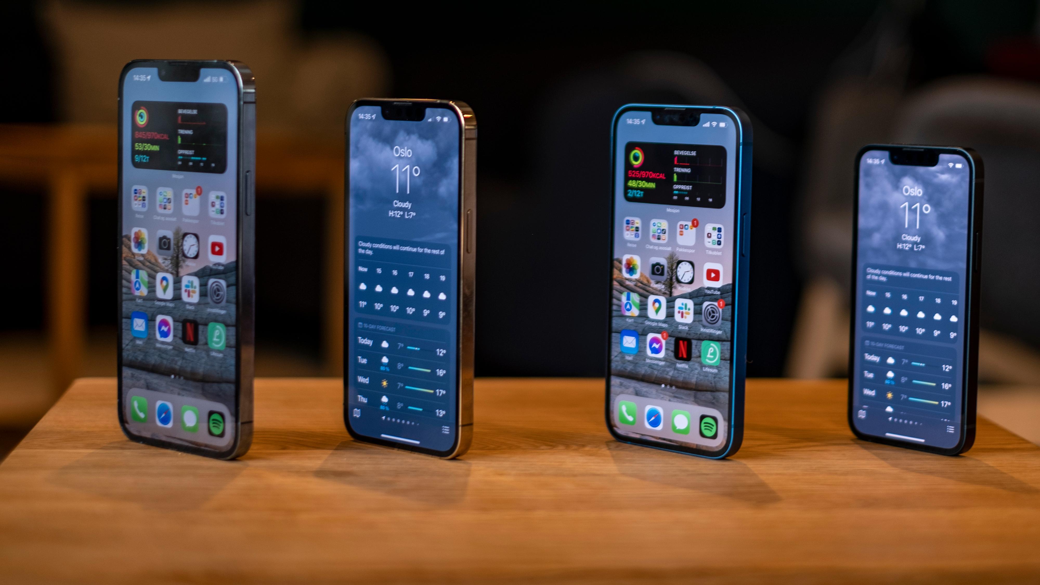 Fra venstre; iPhone 13 Pro Max, iPhone 13 Pro, iPhone 13 og iPhone 13 Mini.