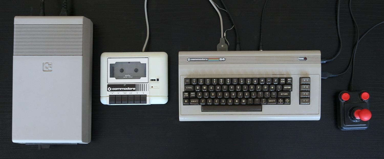 Klassisk oppsett med 1541, 1530 Datassette, C64 og «The Arcade»-joystick. Foto: Vegar Jansen, Tek.no