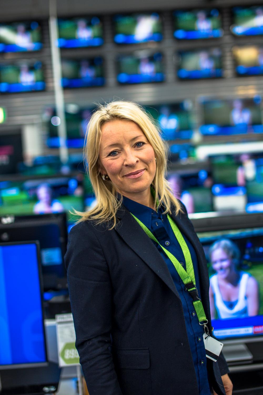 Kommunikasjonsdirektør Åshild Indresøvde i Elkjøp sier at kjeden alltid vil ha eksklusive tilbud til kundene.Foto: Elkjøp