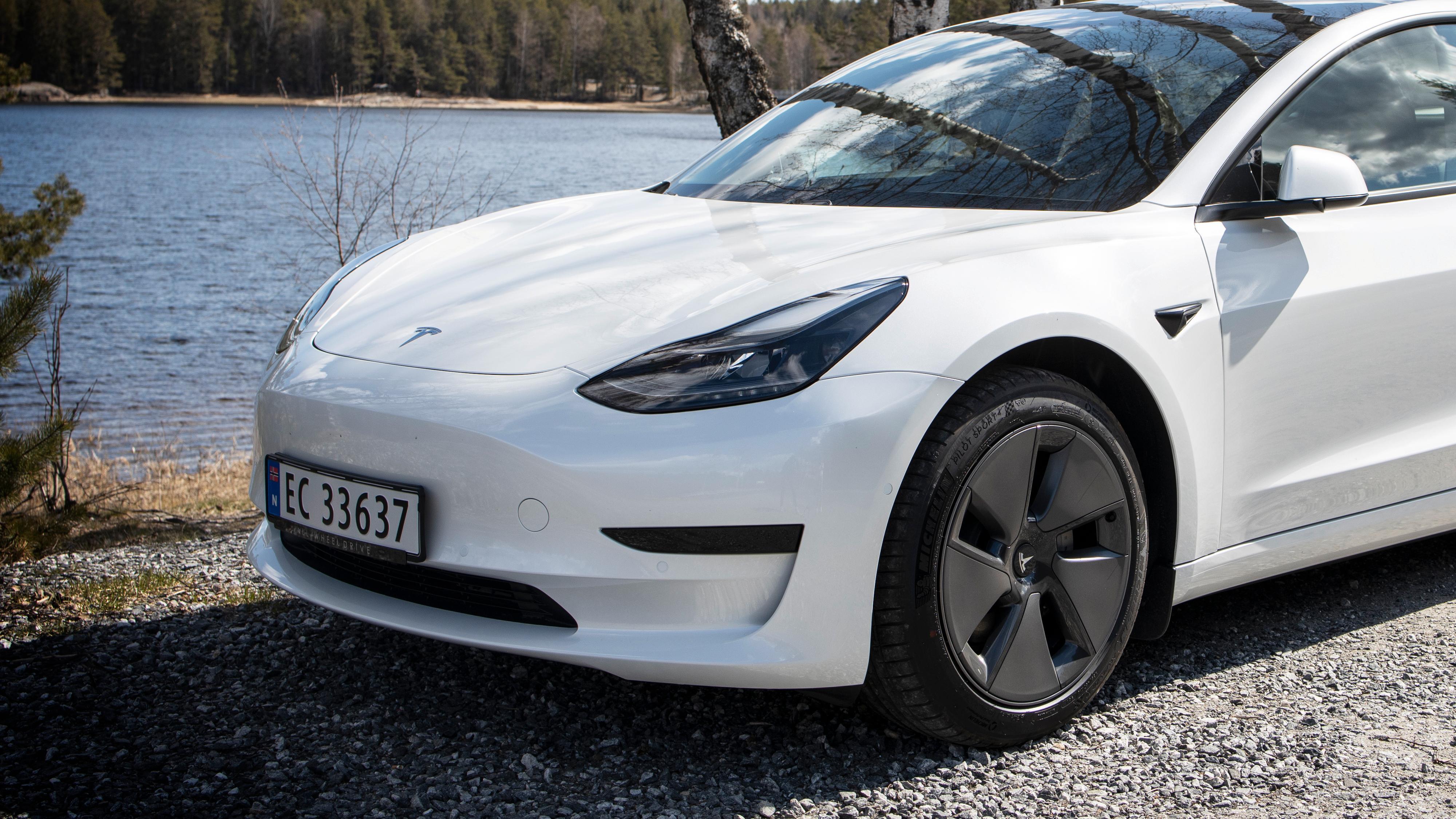 Imponerende mye for pengene: Vi kjørte den «nye» billig-Teslaen