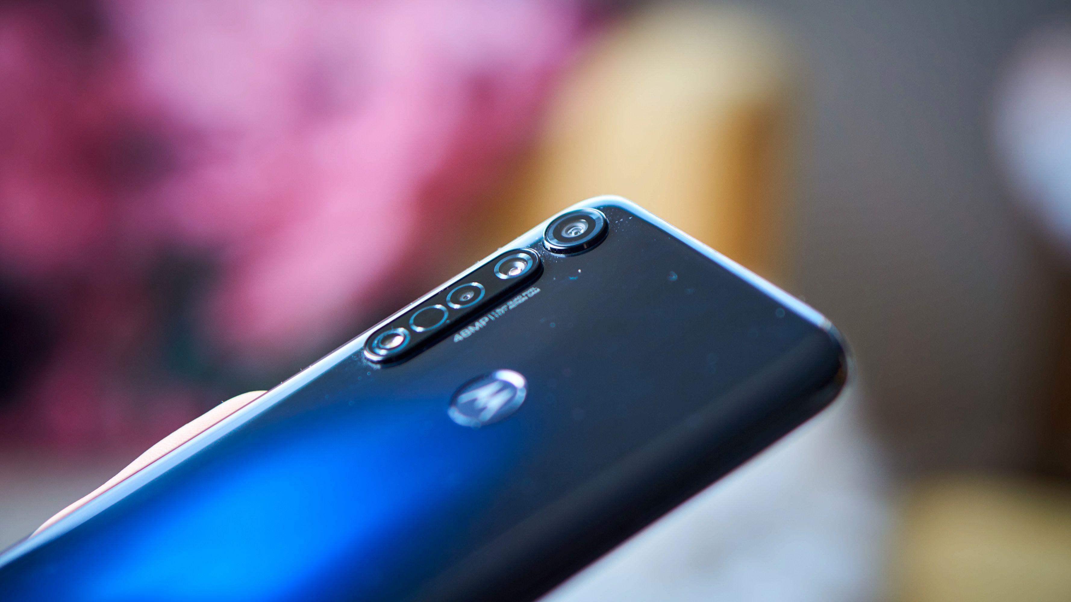 Moto G8 Plus har mange kamera.