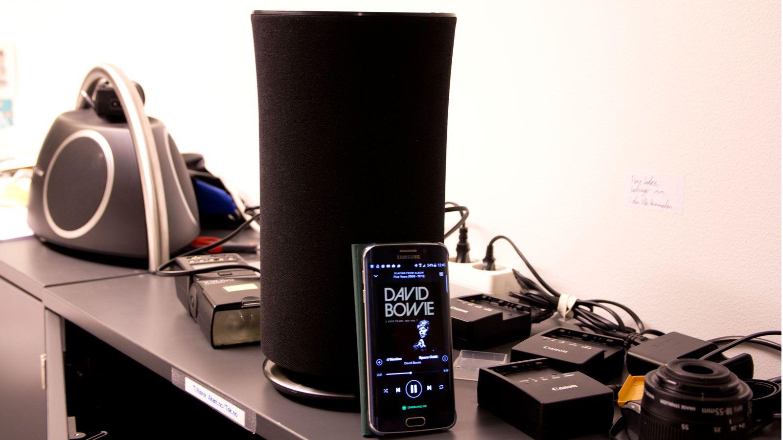 Her strømmer vi musikk via Spotify Connect. Spotify-appen er integrert i Samsungs app. Foto: Espen Irwing Swang, Tek.no