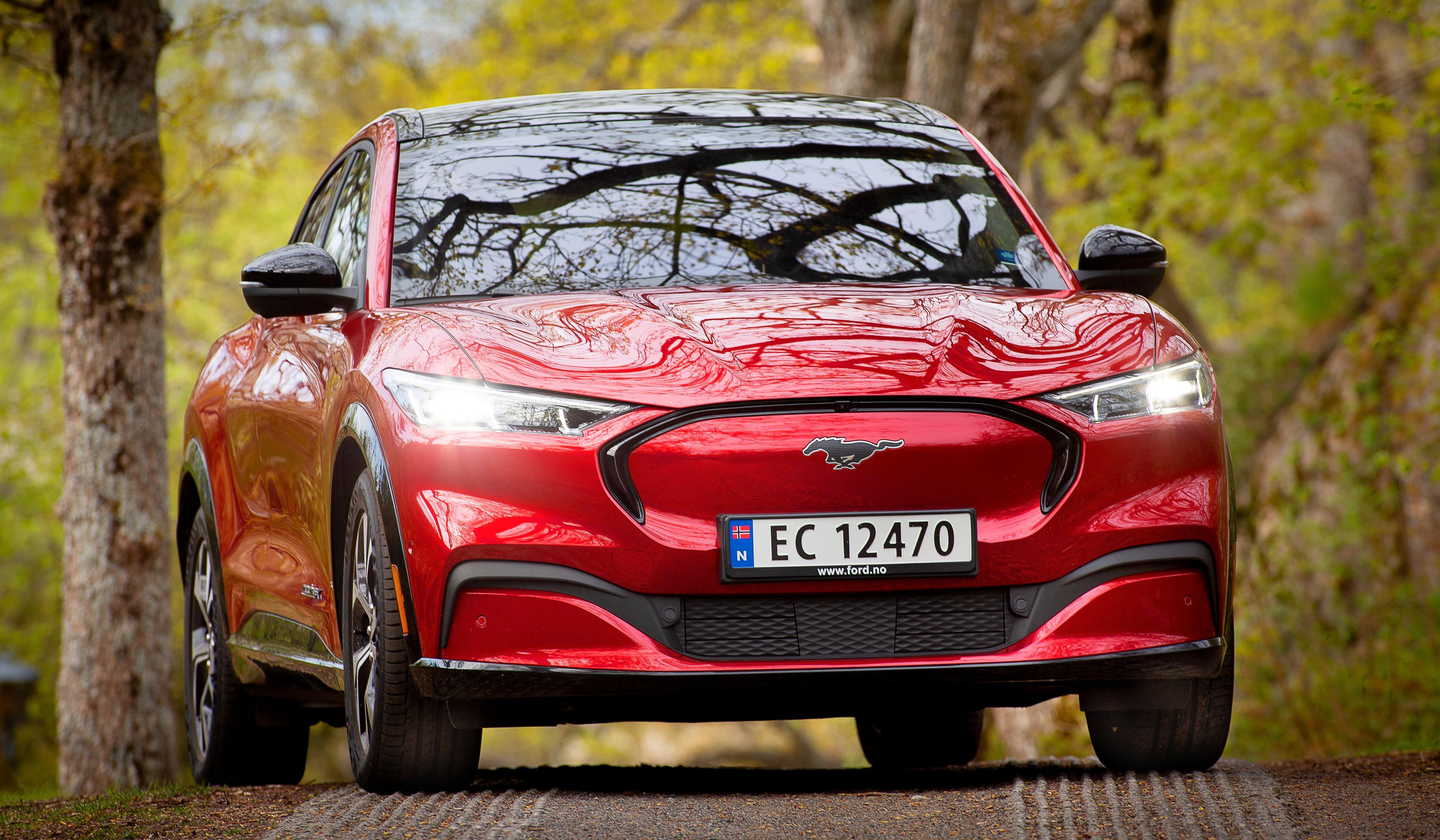 Hold deg i Norge, så kan du få bilen din, er beskjeden Ford-forhandlere har gitt Mustang Mach-E-kunder i Norge de siste par ukene. Nå skal problemet være løst, ifølge Ford.