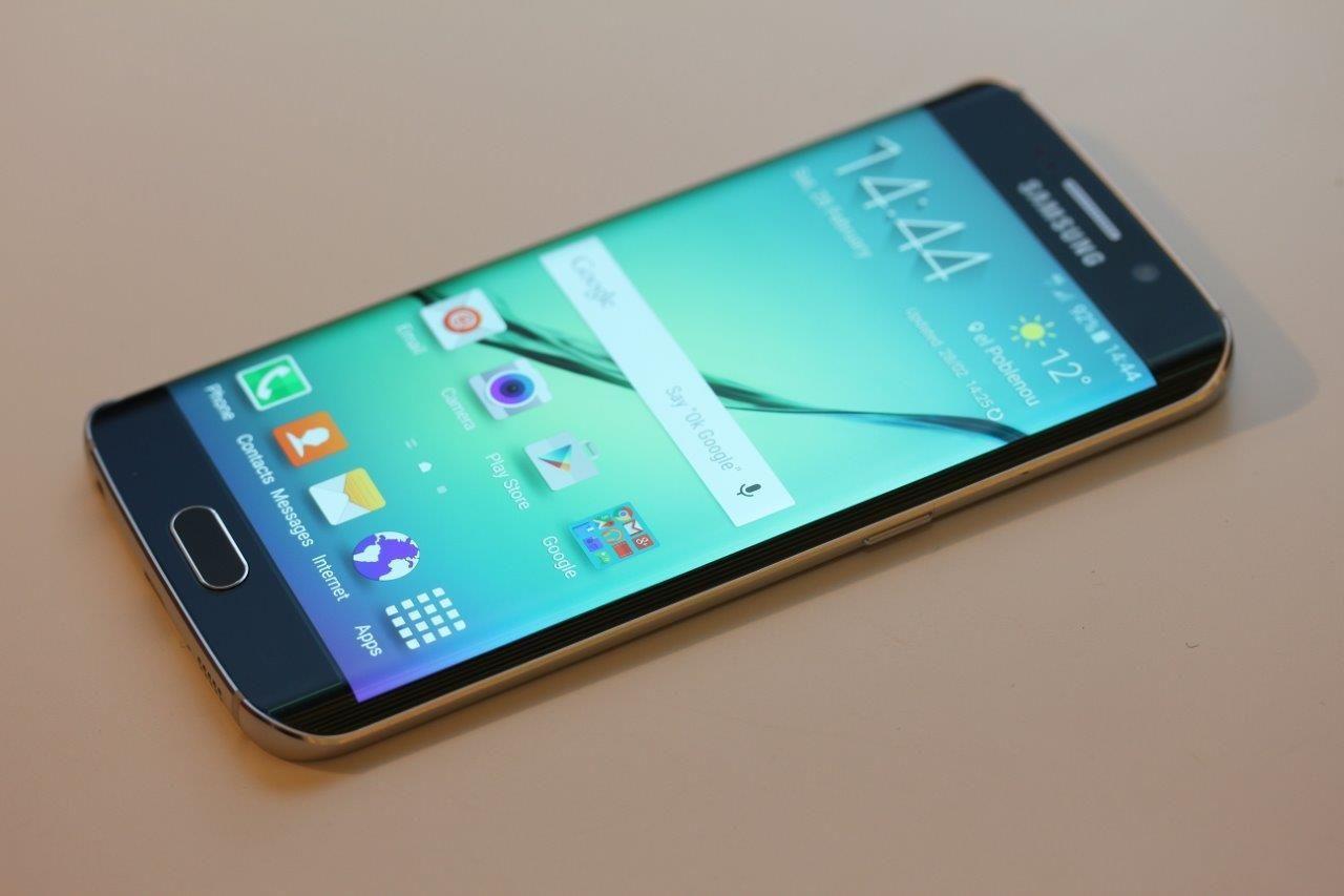 Galaxy S6 har dessverre ikke bidratt nevneverdig til å snu den negative trenden hos Samsung. Foto: Espen Irwing Swang, Tek.no