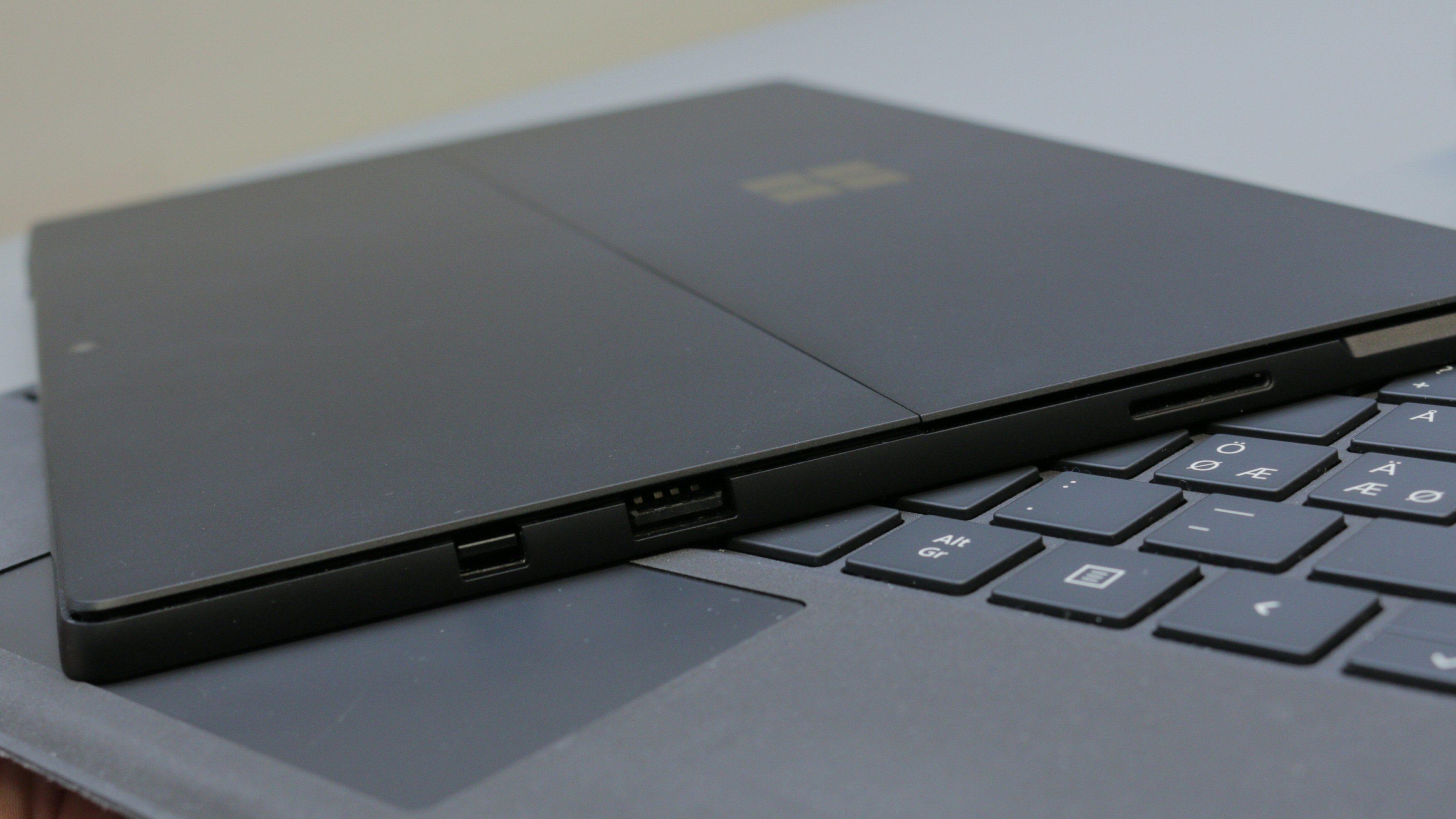 Microsoft er veldig konservative hva gjelder porter på Surface Pro.