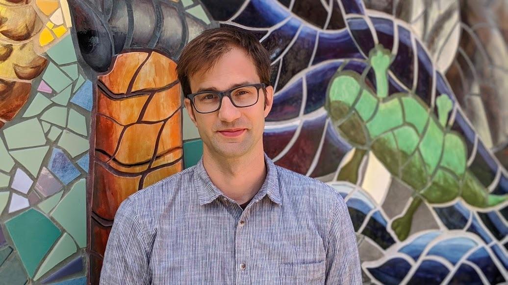 Ryan Germick er sjefdesigner og kreativ direktør hos Google, og var med i det første teamet som jobbet med å utvikle taleassistentens «personlighet».