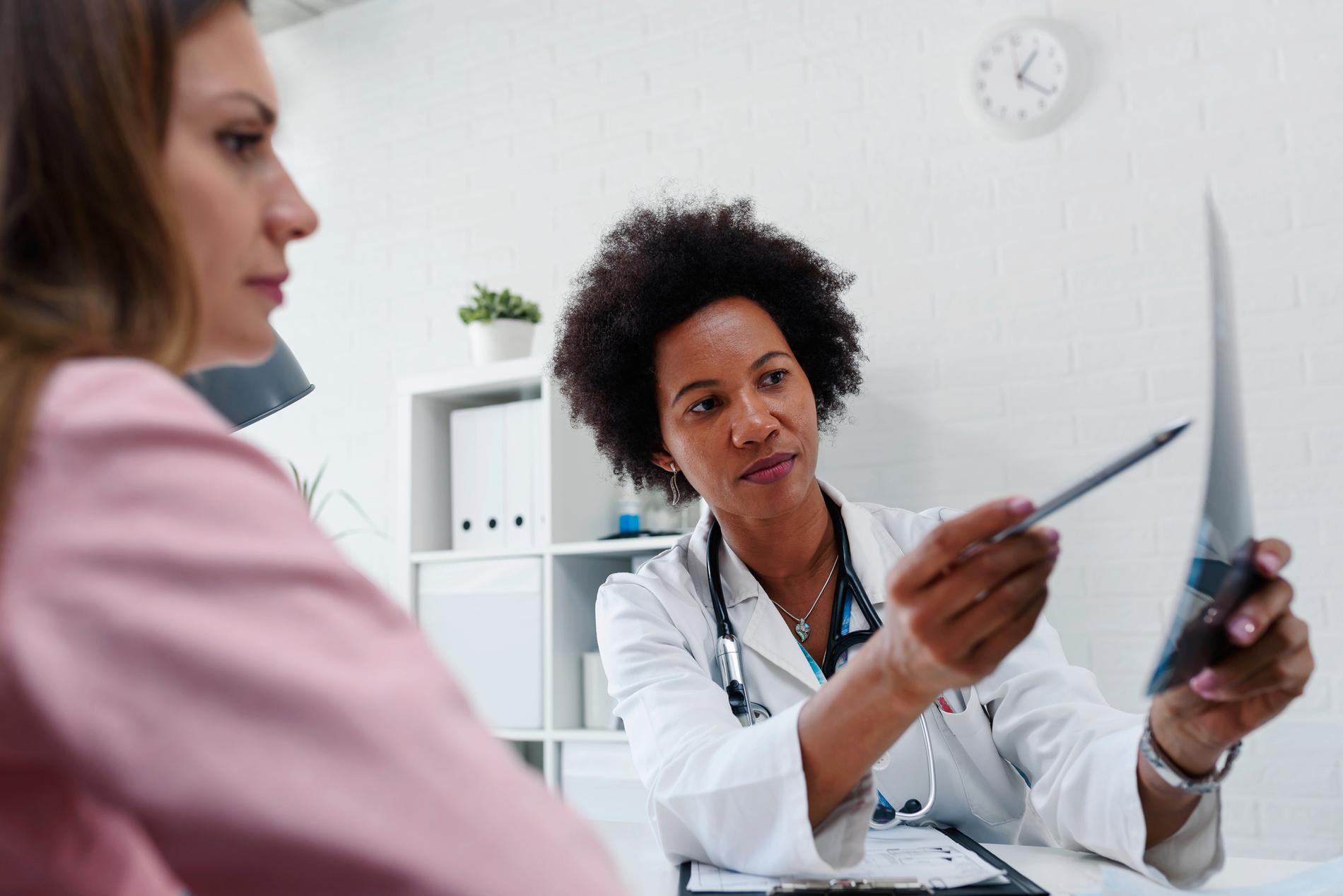 Sök vård om du hittar knölar, bröstcancer upptäcks av patienten själv i 40 procent av fallen