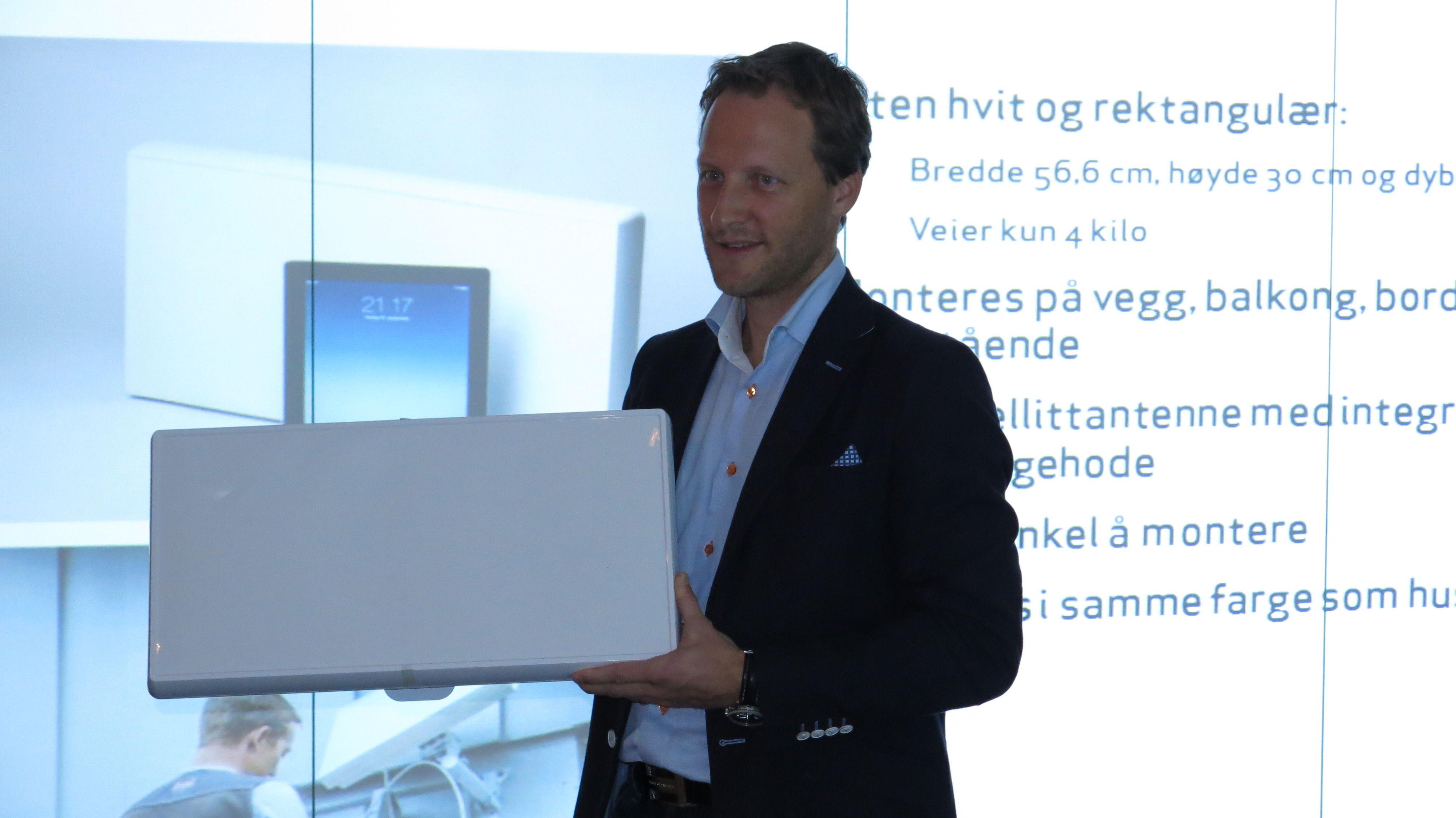 Denne plate antennen er Canal Digitals nye alternativ.Foto: Ole Henrik Johansen / Tek.no