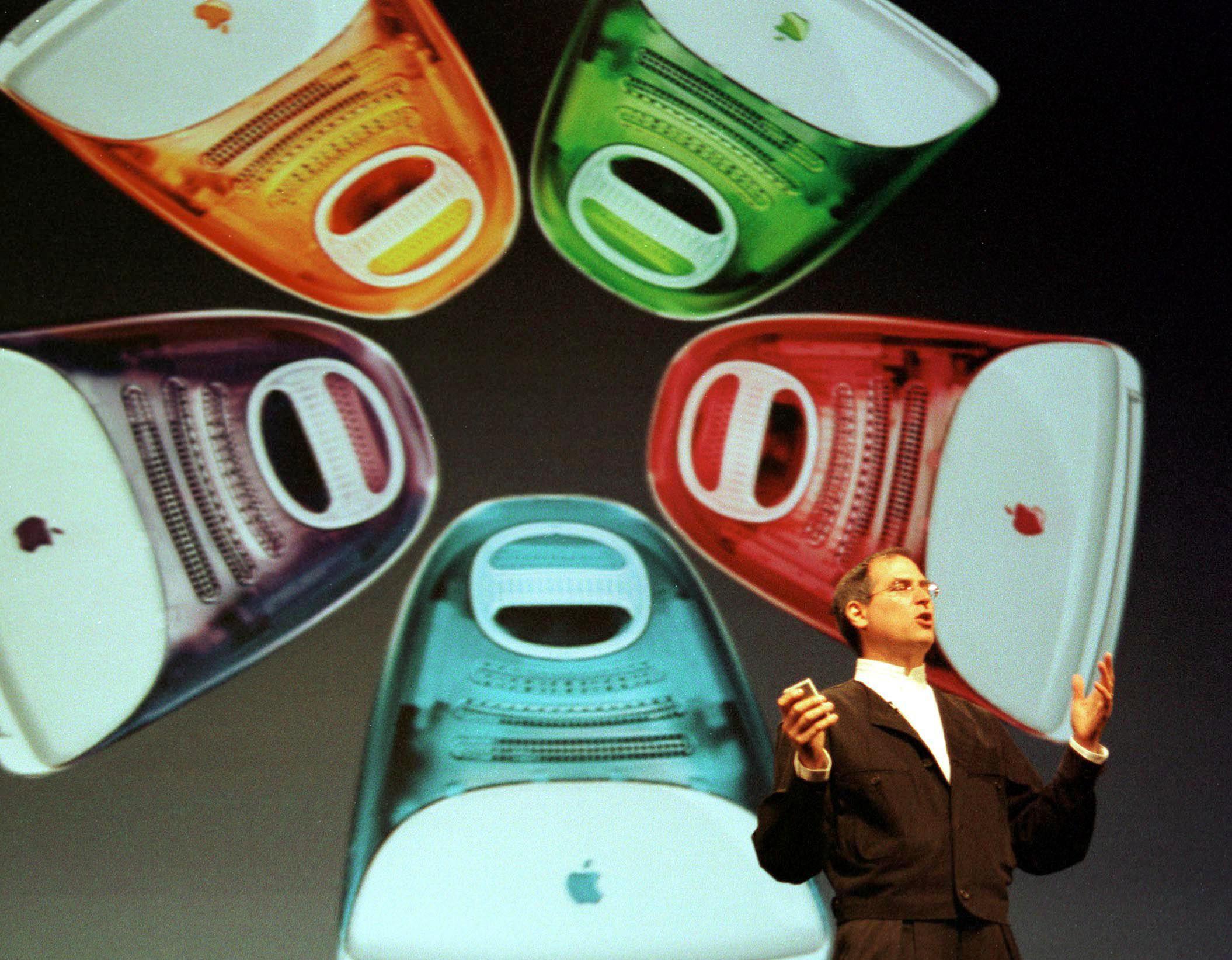 Steve Jobs presenterer iMac G3.Foto: NatGeo
