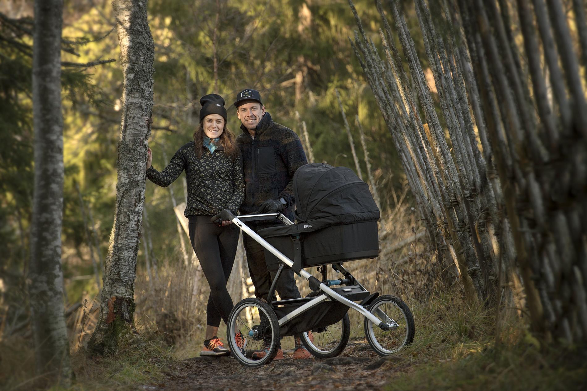 Anna Haag med med maken Emil Jönsson och sonen Harry.