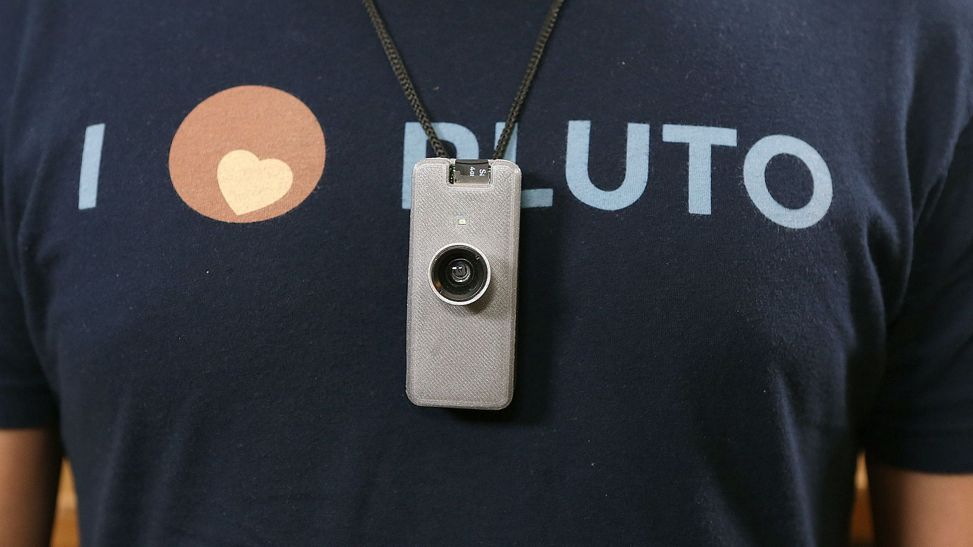 Dette er et timelapse-kamera du kan lage selv – og ha på deg