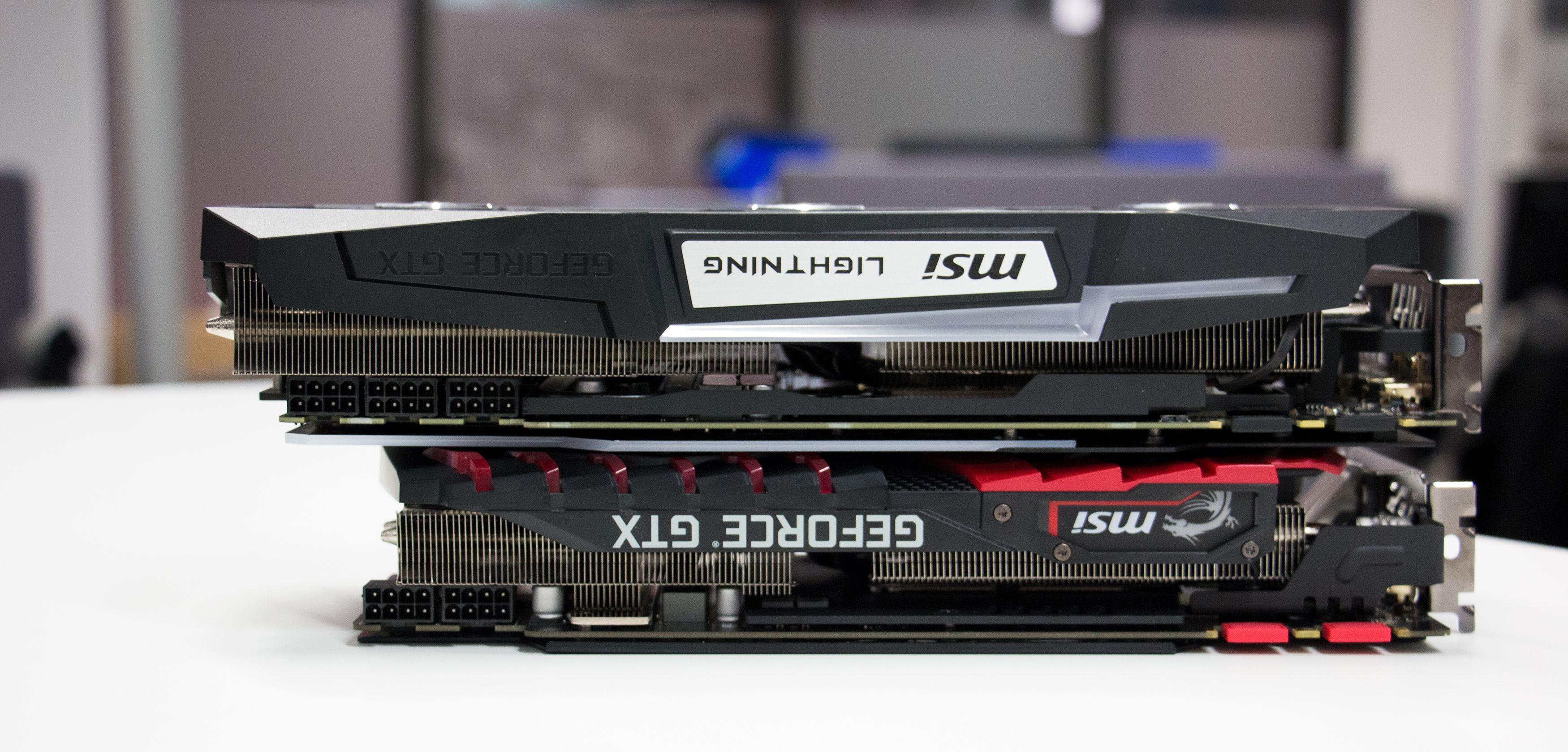 Gaming Z er mye tykkere (og lengre) enn Gaming X og krever inntil tre kortspor i maskinen.