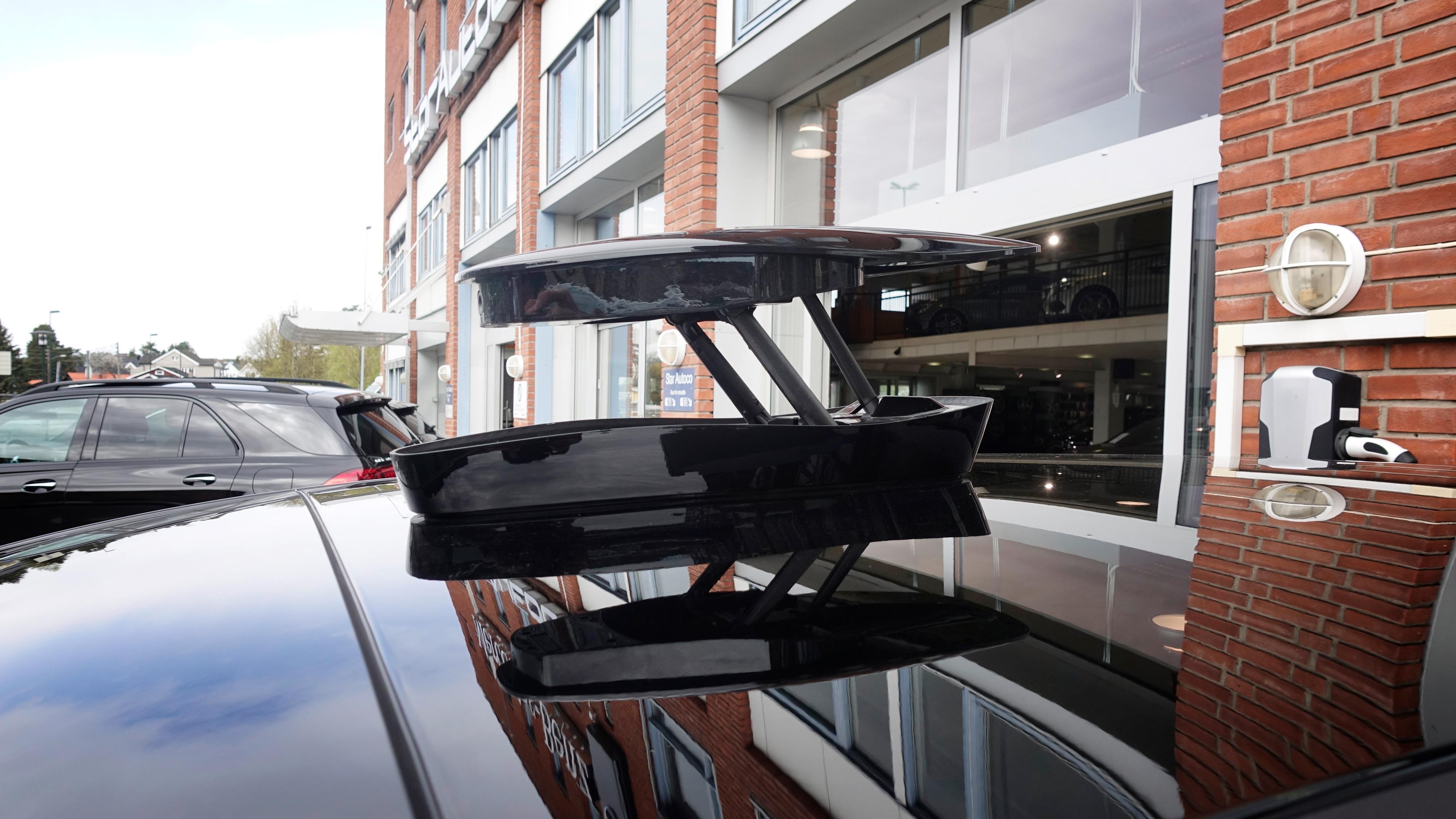 Dette kameraet får du på taket på Premium-versjonen av bilen, og gir mulighet til å se rundt bilen i 360 grader, enten det er på skjermen inni eller i den tilhørende appen. Du kan også ta bilder og video med kameraet. Det sperrer imidlertid også for muligheten til takstativ.