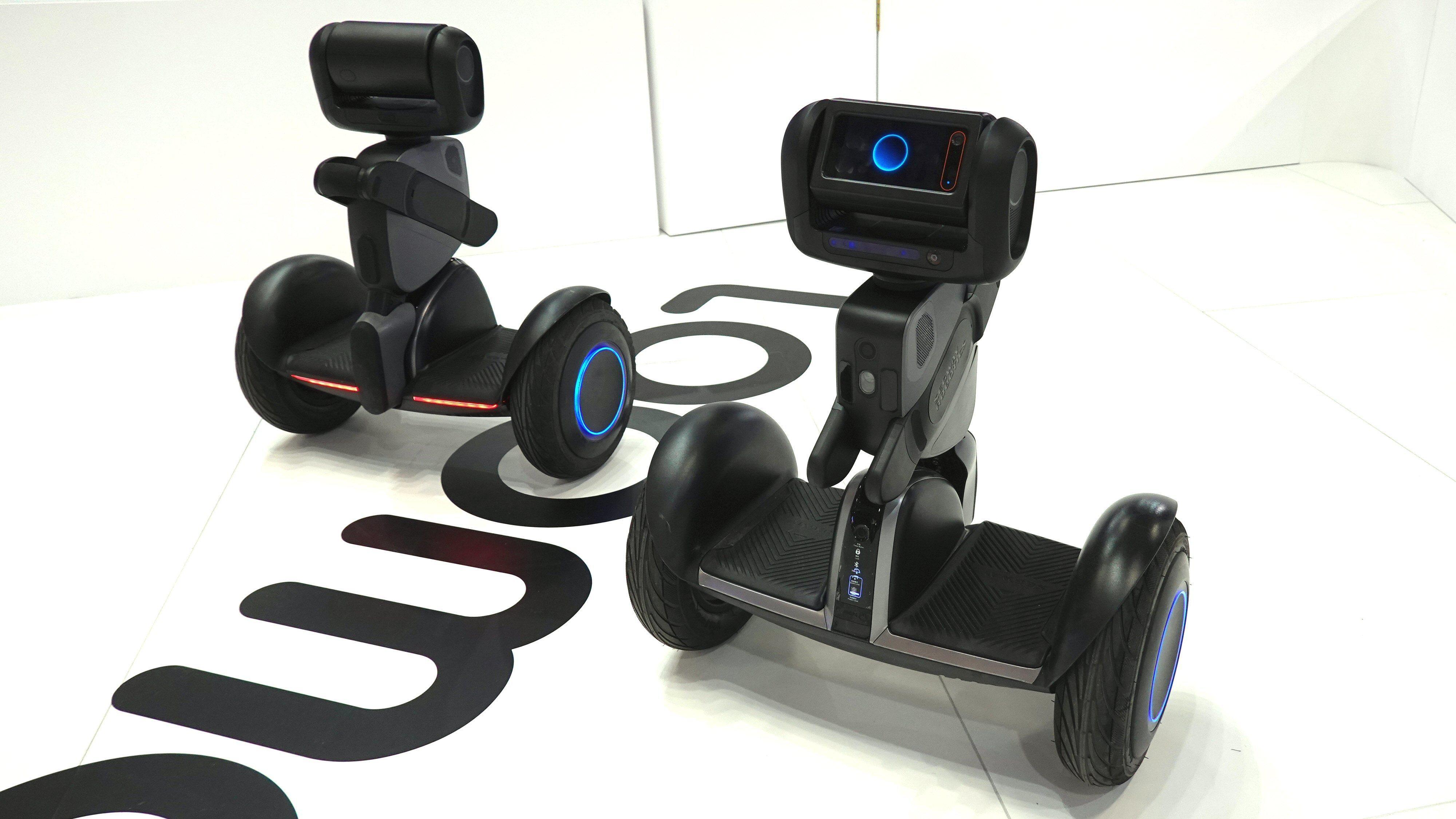 Segway Loomo er både en ståhjuling og en robot