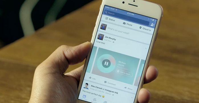 Trinn 2: Lim inn lenken i Facebook-appen på iPhone. Vennene dine vil se dette når de trykker Play-knappen. Foto: Facebook (fra video)