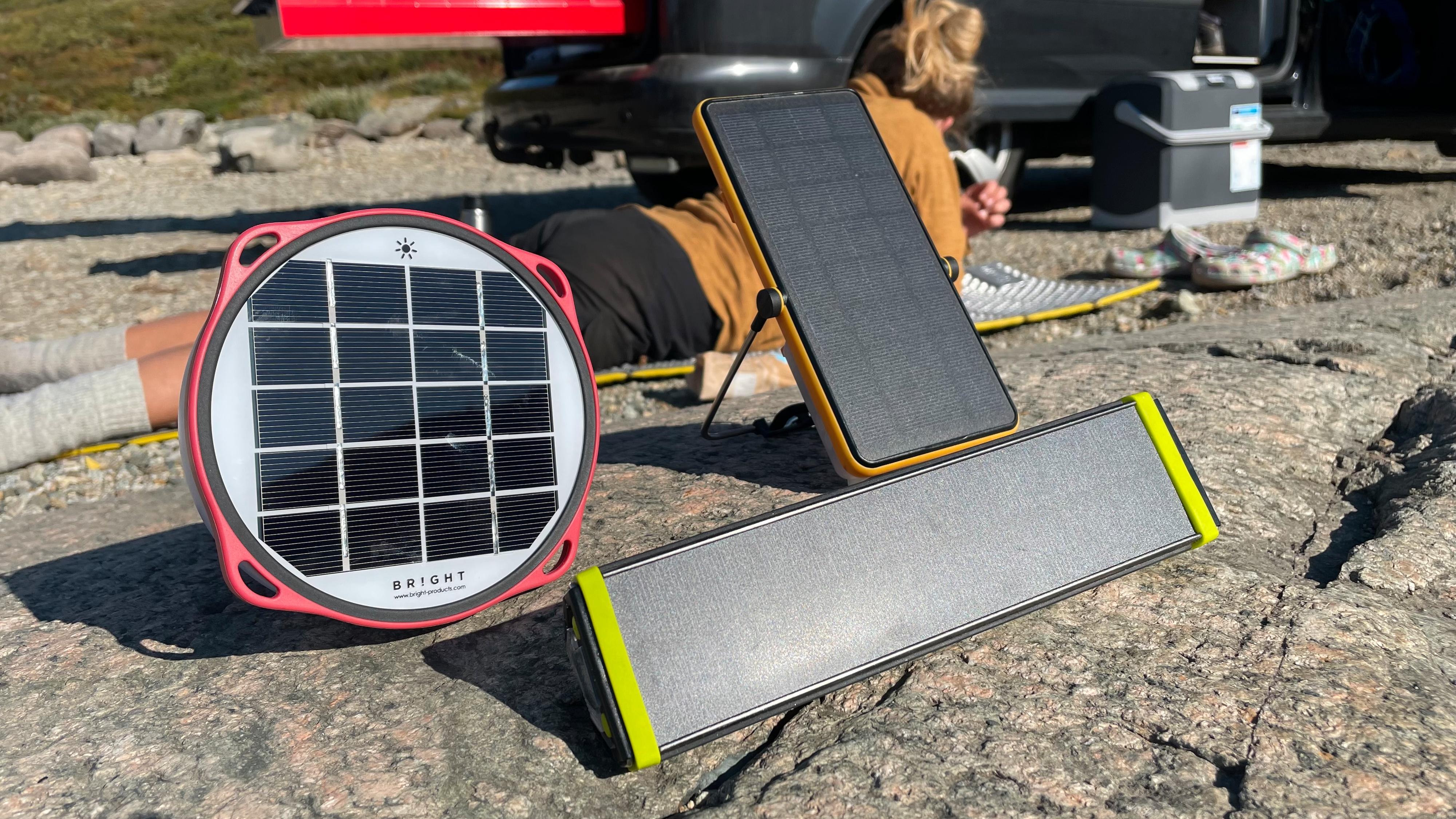 Vi har testet: Solcellelamper med nødlader ment for tur