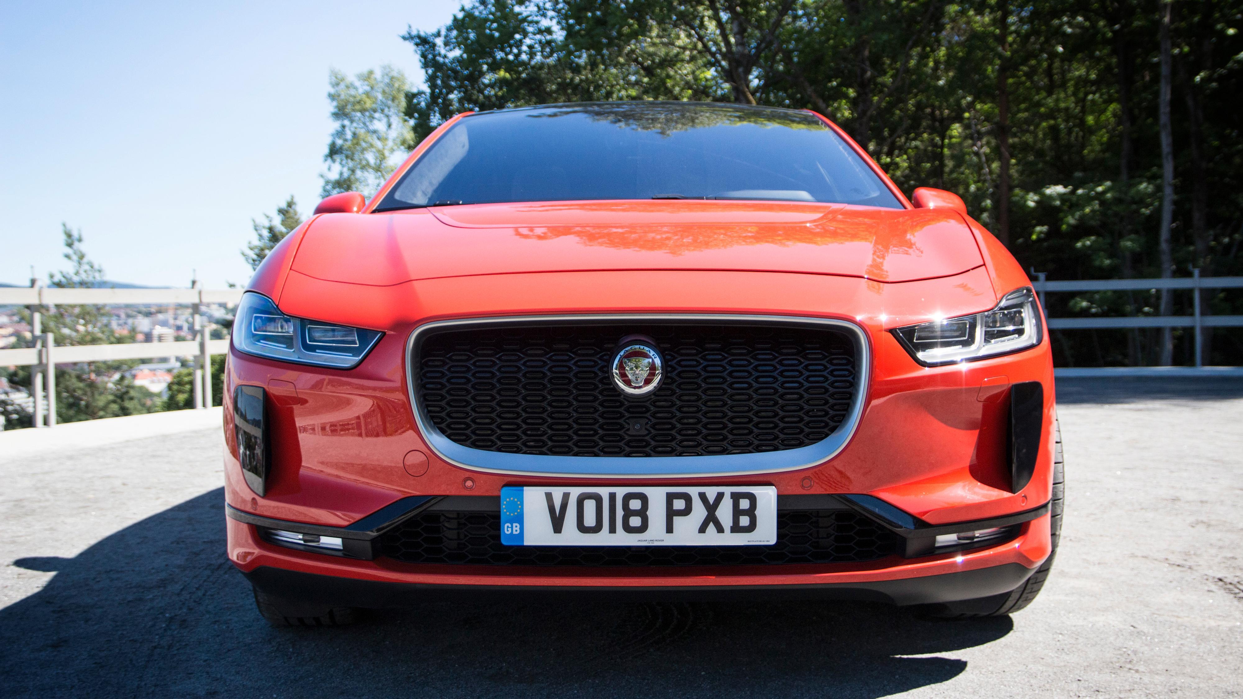 Hør «motorlyden» Jaguar i-Pace spiller fra høyttalerne mens den kjører