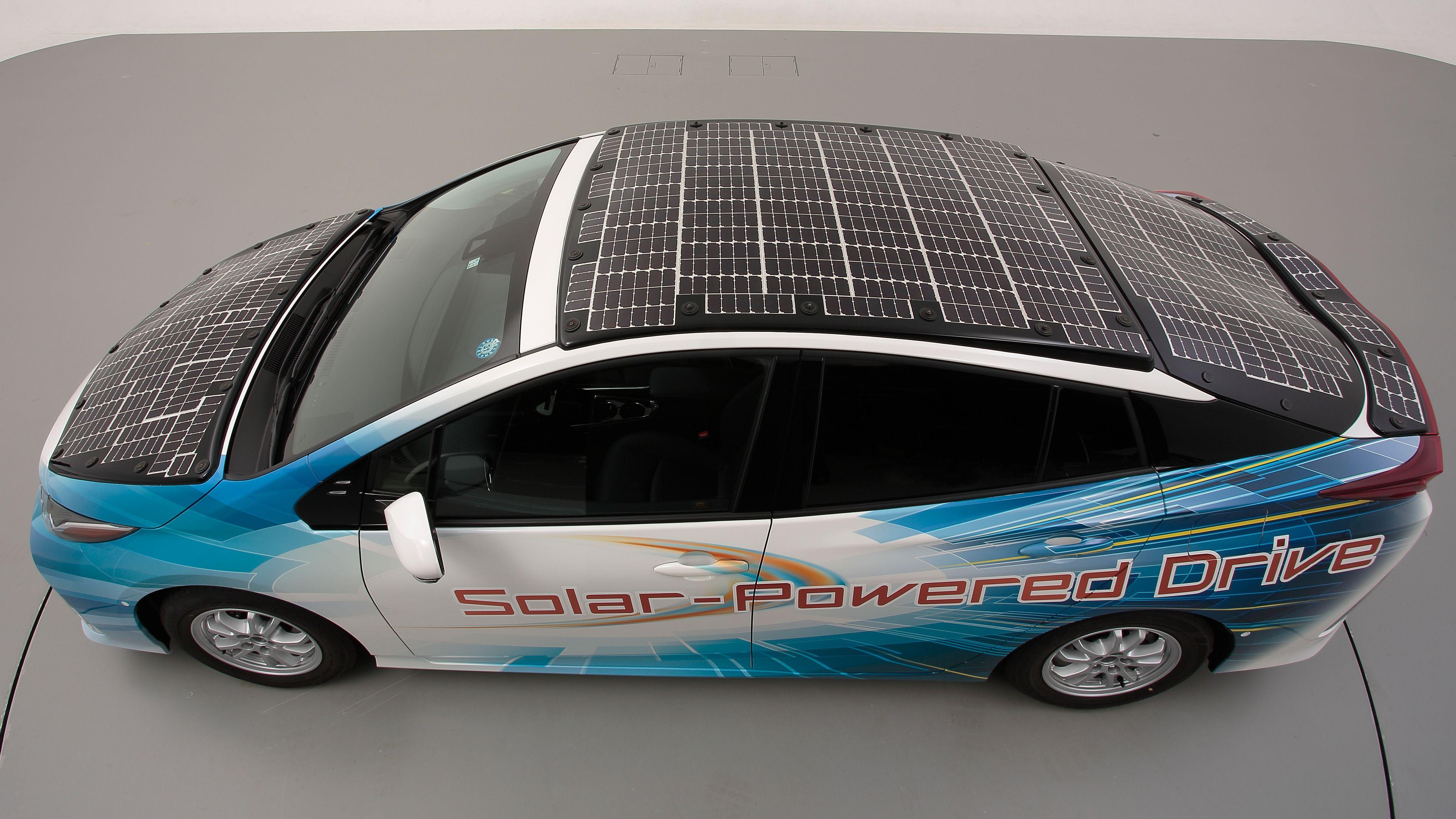 Toyotas konsept-Prius går 44 kilometer per dag på solkraft