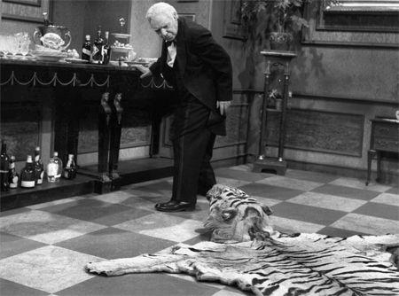 Hovmesteren og tigerpelsen har fortsatt ikke lært å leve med hverandre.
