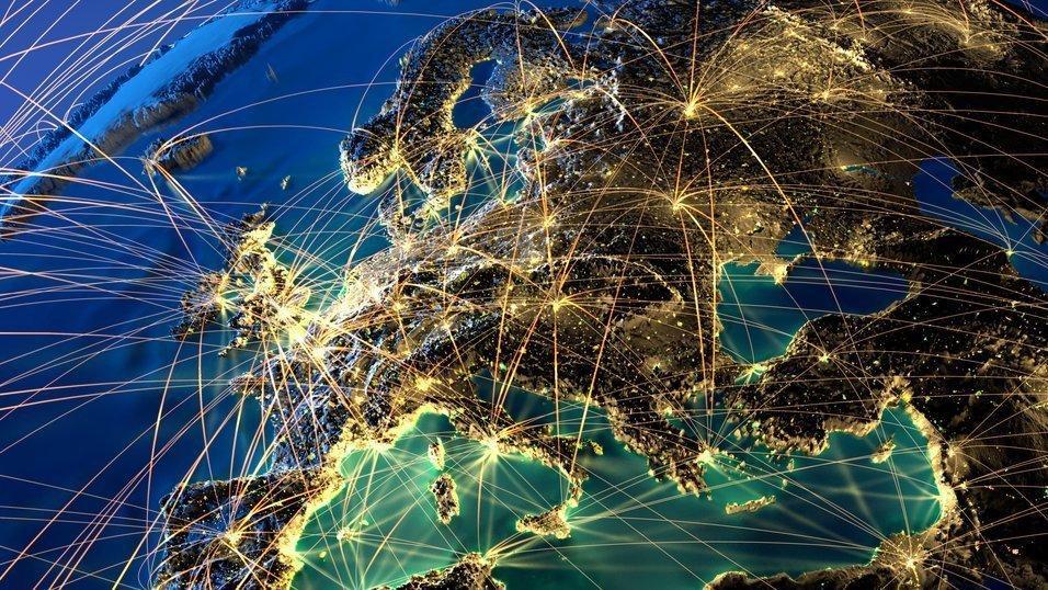 Loven beskrevet som «døden for Internett slik vi kjenner det» stemt igjennom i EU