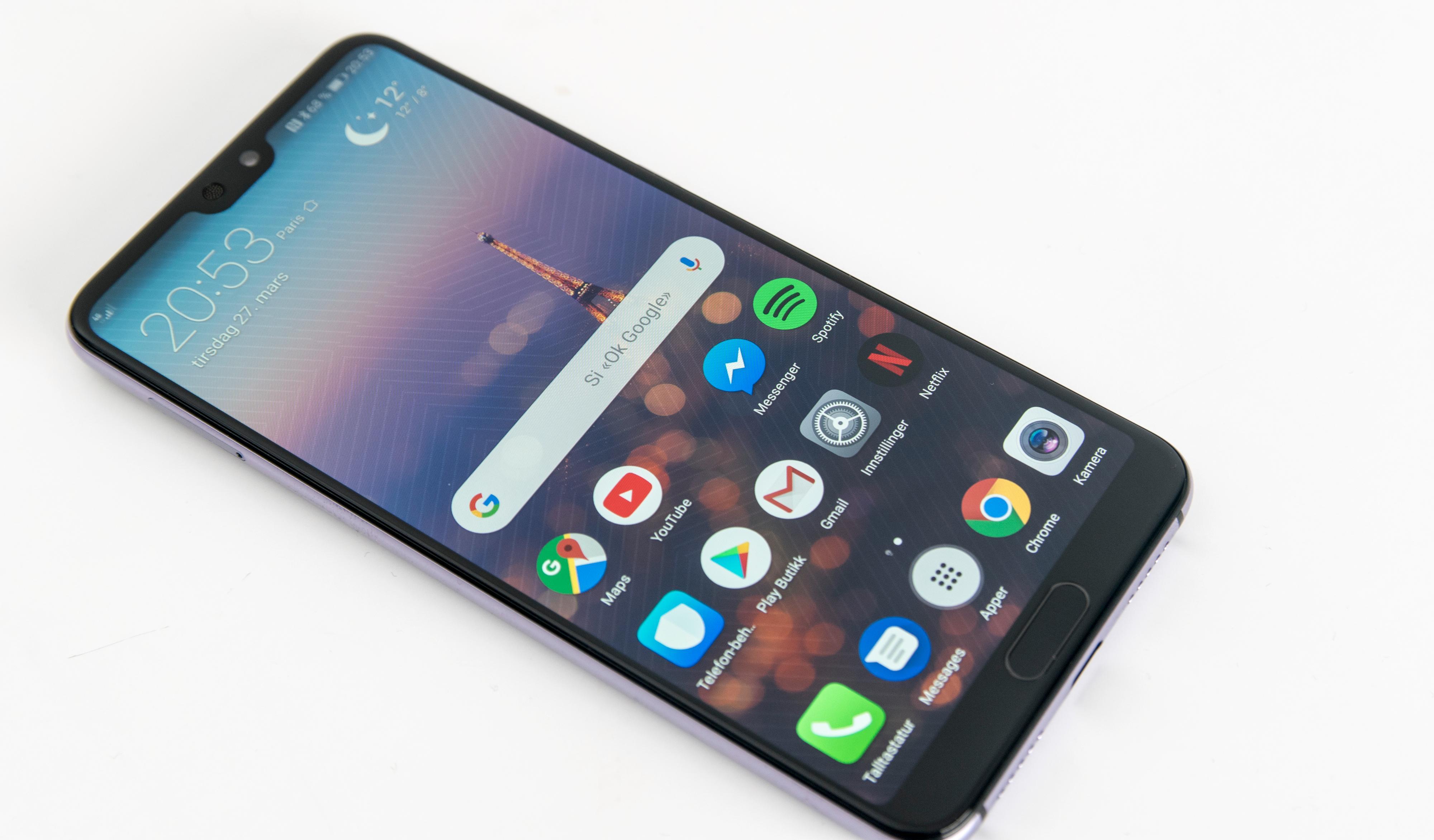Stor og tilnærmet rammeløs skjerm hører til i en toppmobil i 2018.