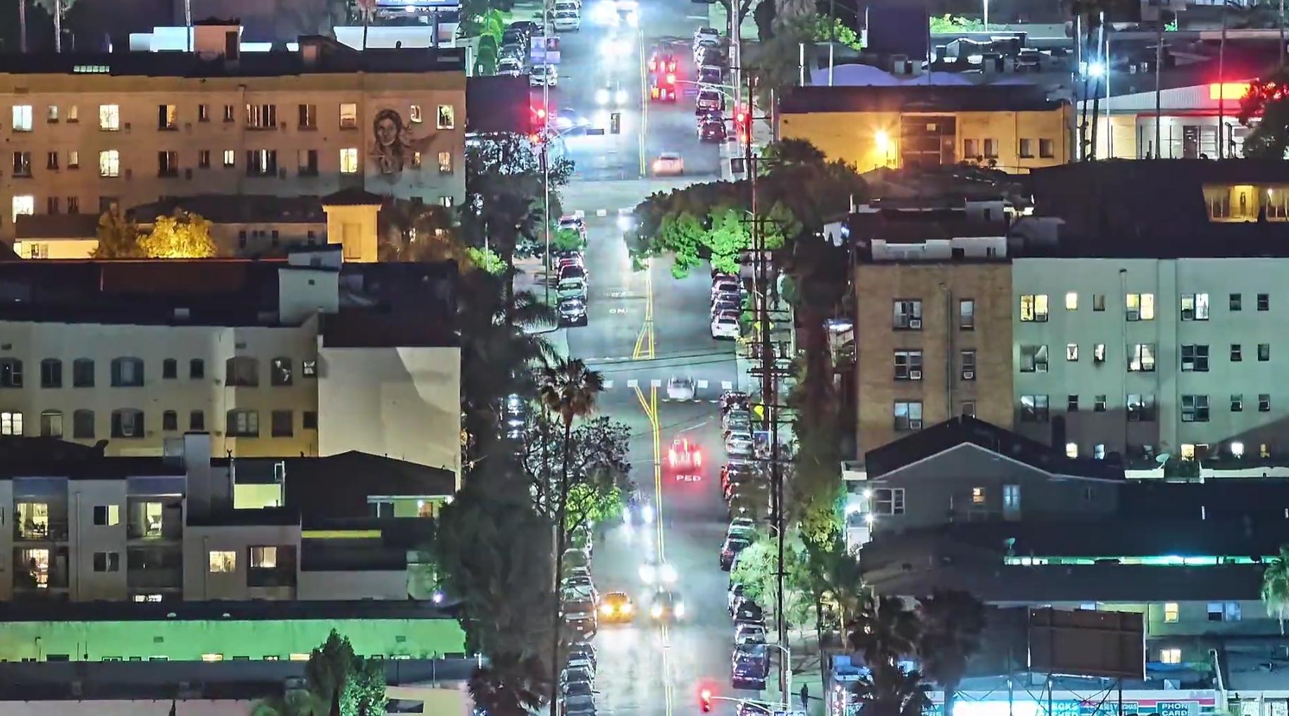 Videoen lar deg studere gatelivet på nært hold.