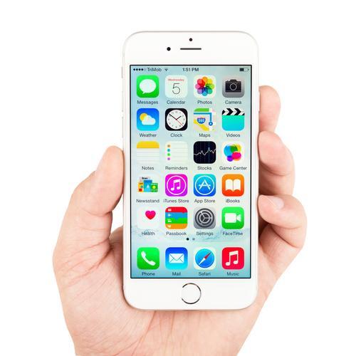 På låste iPhone-telefoner med iOS 8 eller nyere skal det være klin umulig å hente ut data, ifølge Apple. Foto: Yeamake/Shutterstock.com