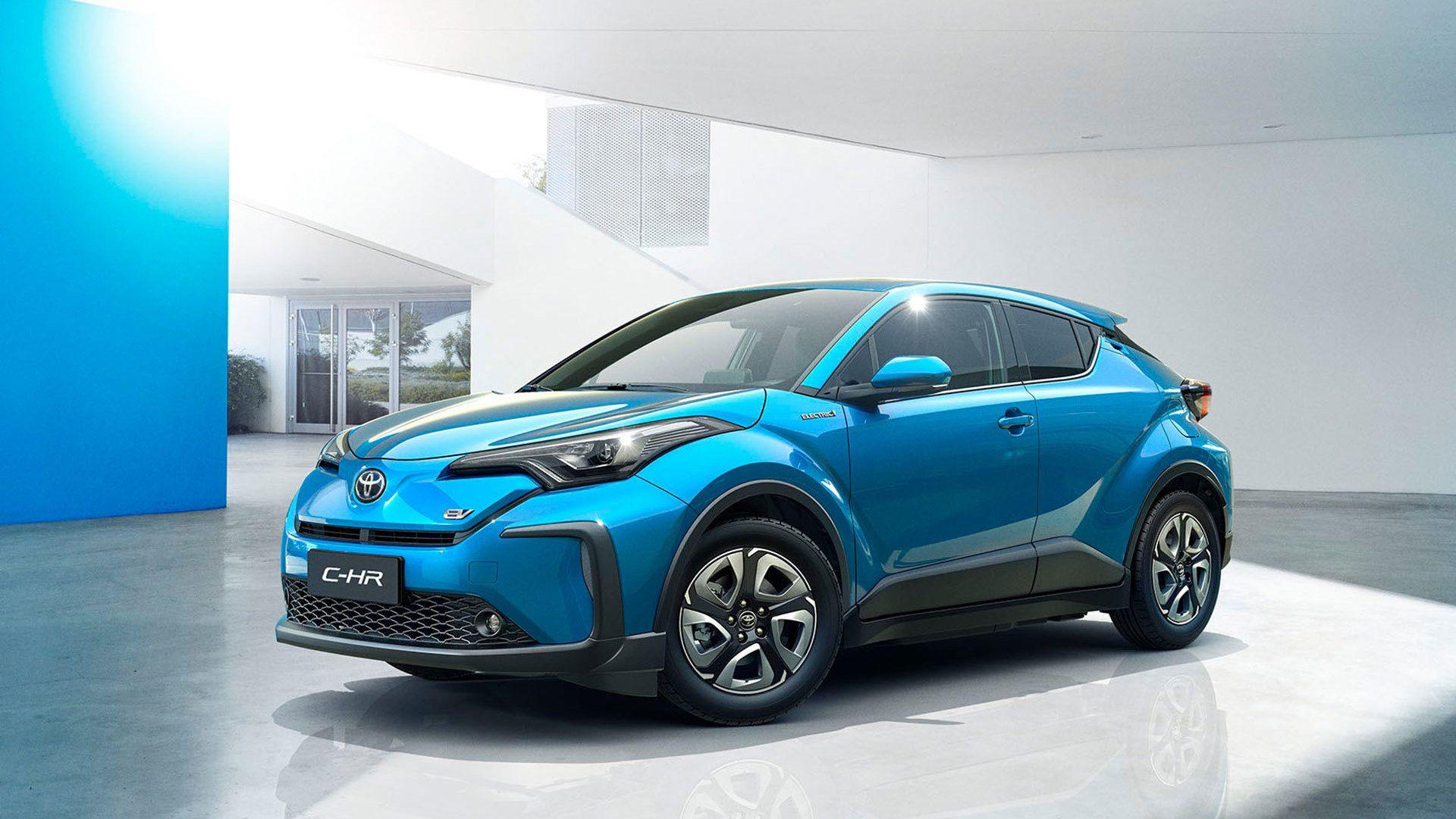 Den elektriske C-HR har blant annet fått et noe annerledes design i front, med tanke på at den ikke krever like mye kjøling.