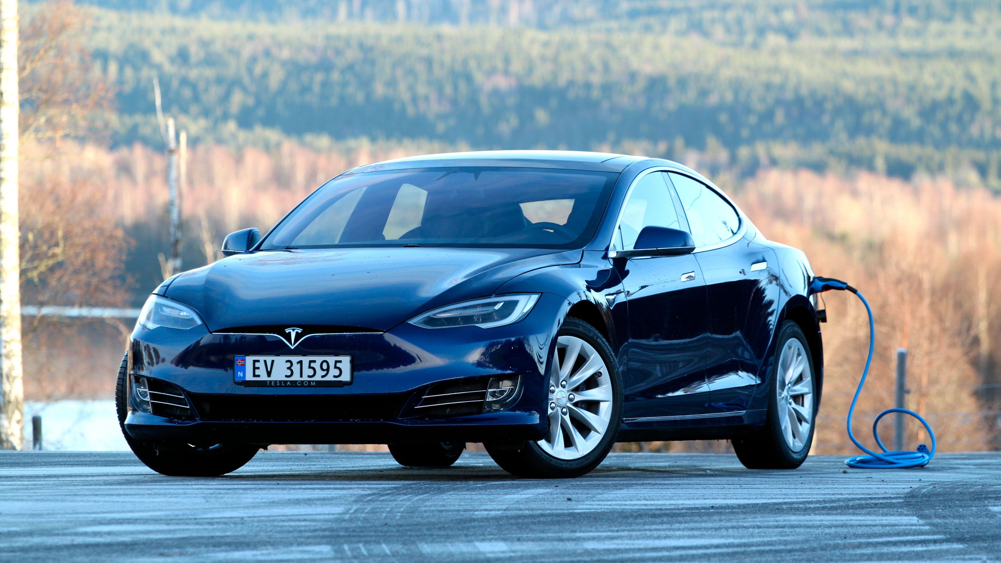Tesla viser bilopptak rett på skjermen
