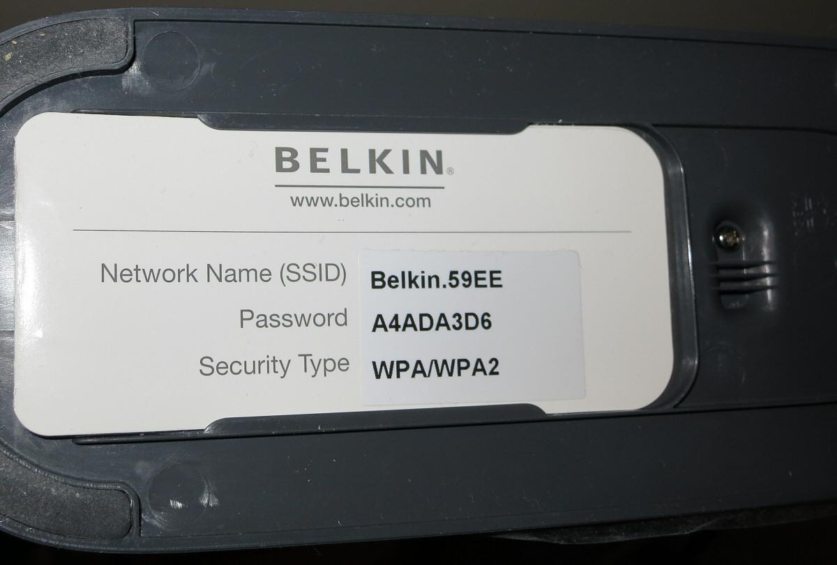 SSID og passord for trådløs tilgang finner du ofte et sted på ruteren din.