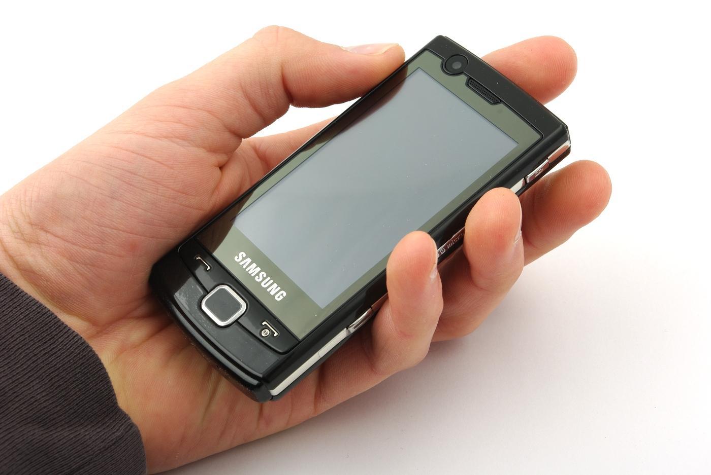 Omnia Lite er en kompakt Windows-telefon.