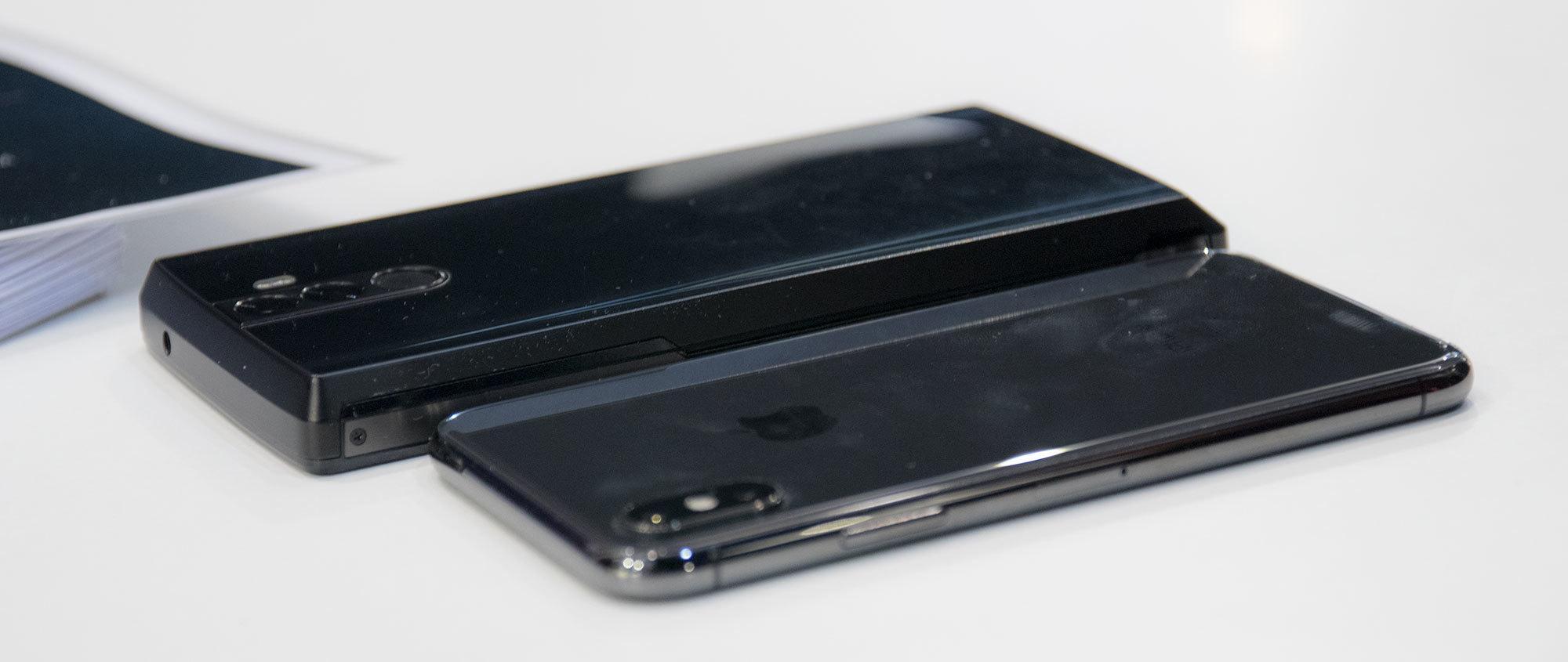 Power Max 16K Pro bak, iPhone X foran.