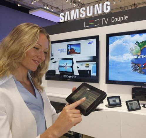 LED TV Couple i bruk (Foto: Samsunghub)