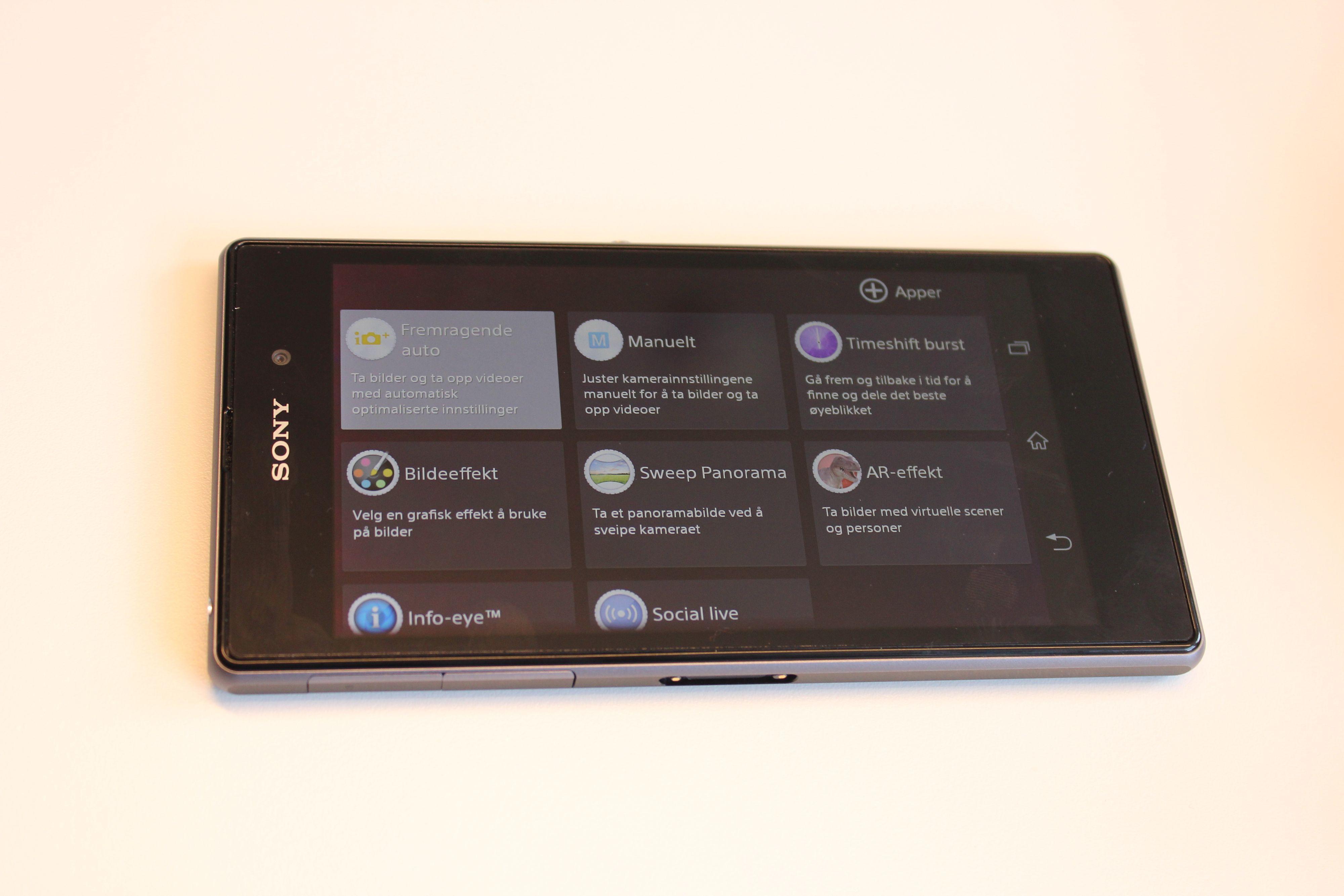 Det er flere smarte apper i kameramenyene. Foto: Espen Irwing Swang, Amobil.no