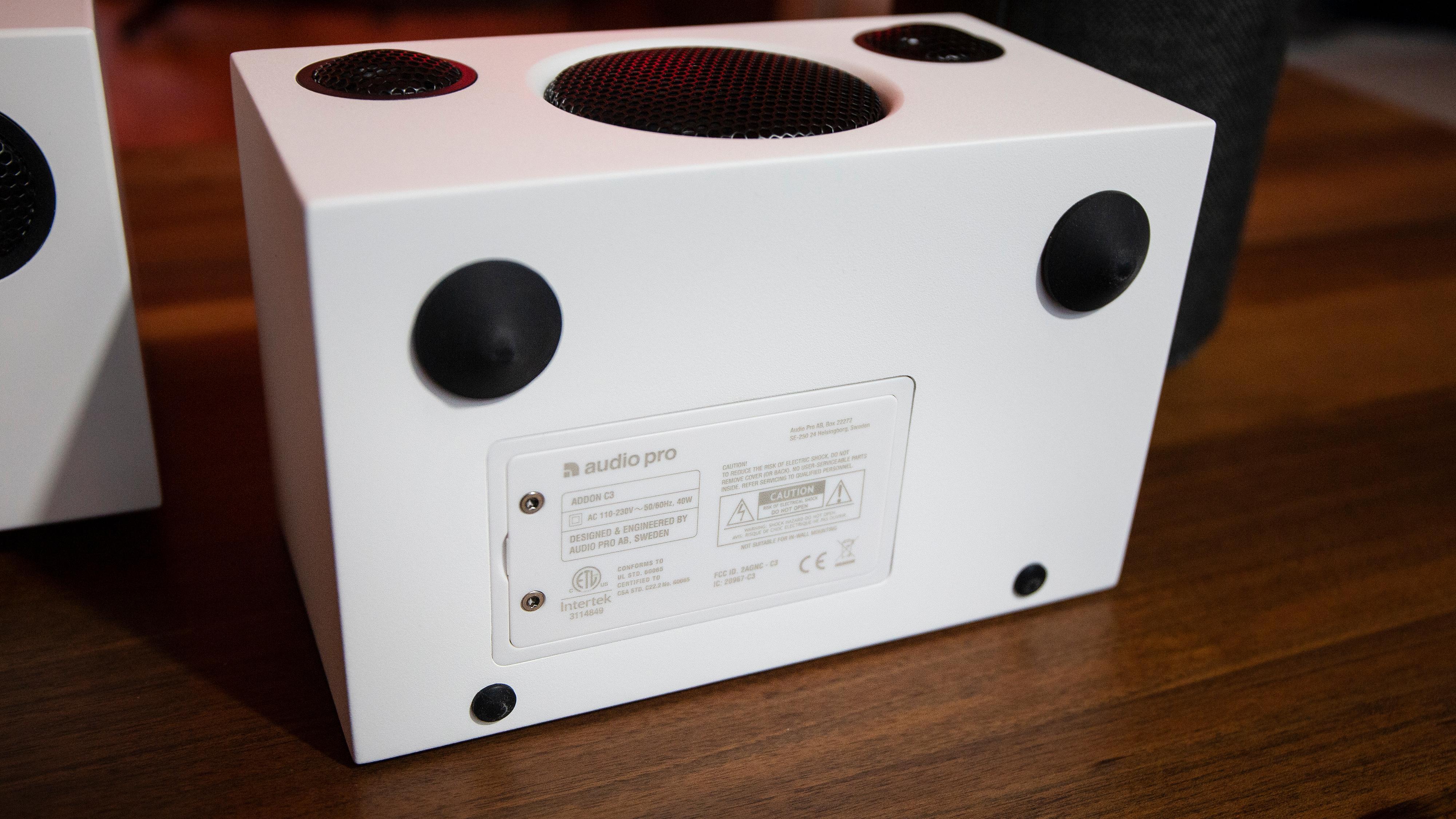 Bonus: Addon C3 har batteri. Det gjør den samtidig til den dyreste av de tre høyttalerne, i alle fall i skrivende stund.