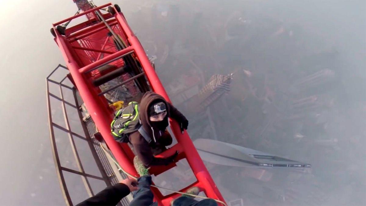 Her klatrer de opp verdens nest høyeste bygning