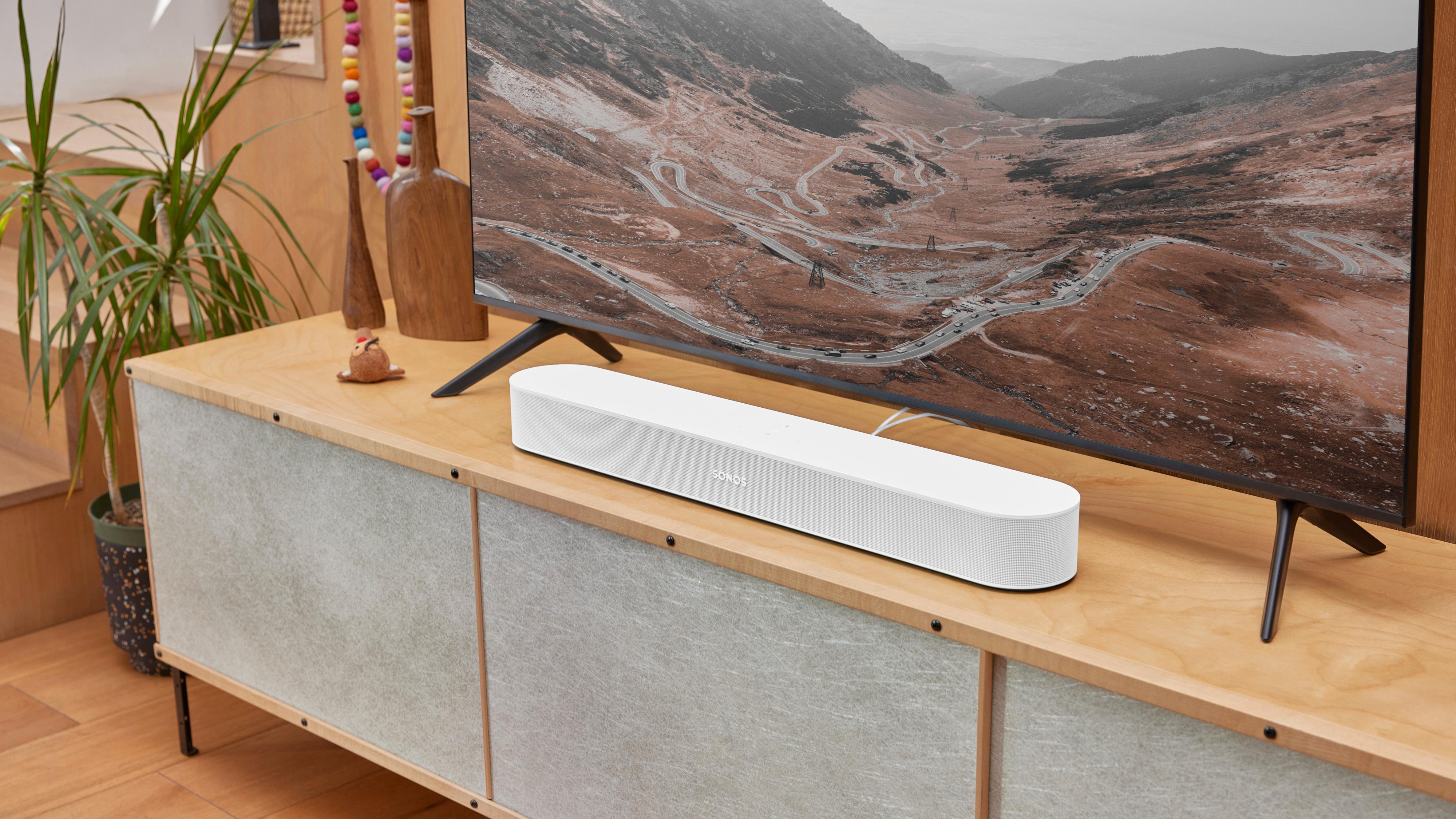 Sonos minste lydplanke Beam kommer i ny generasjon, med bedre kringlyd og lett oppdatert design.