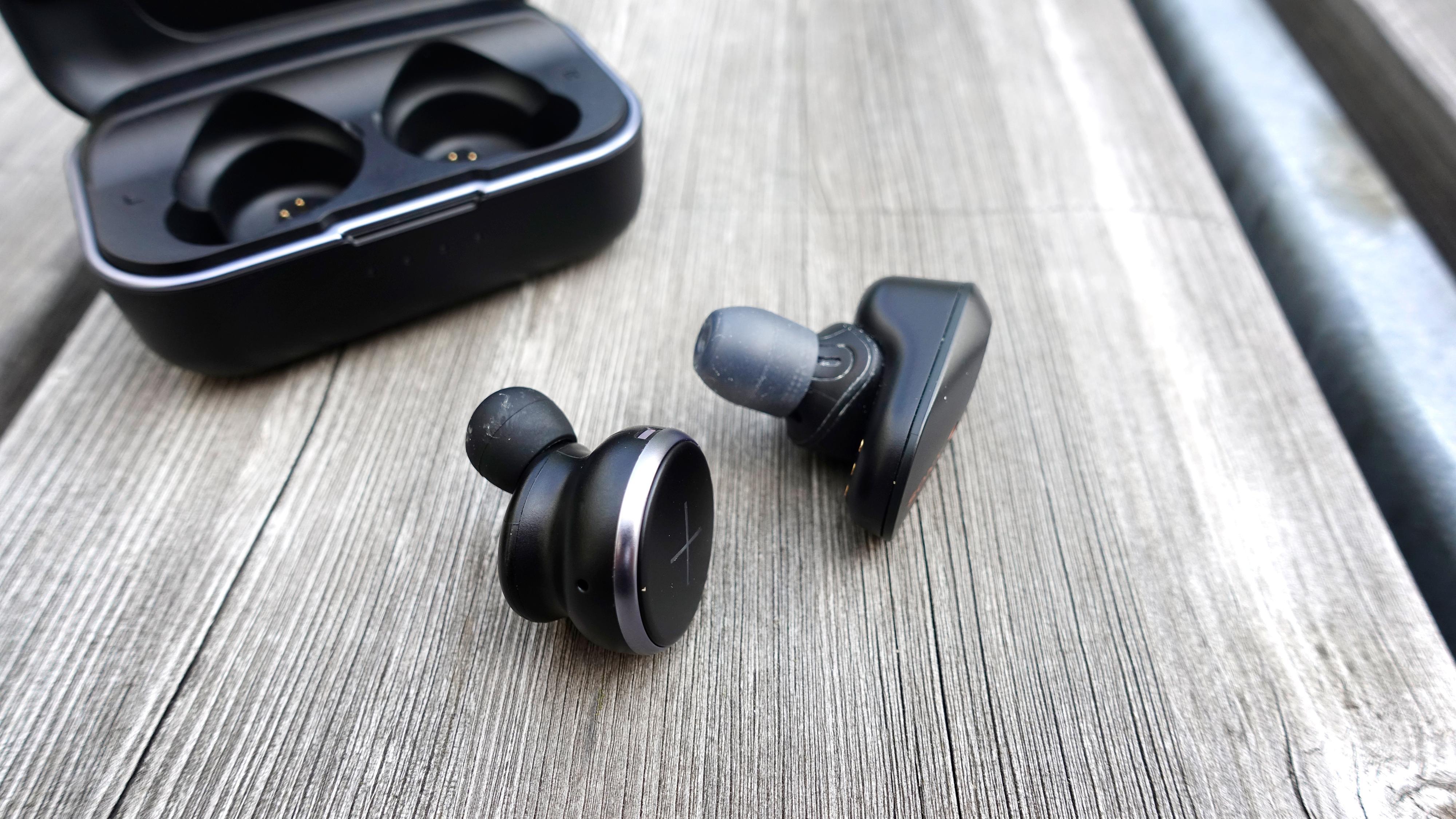 Xellence-proppene er hakket mer kompakte enn Sonys WF-1000M3.