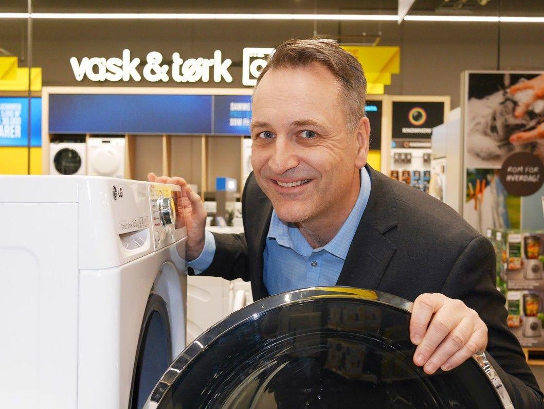 Jan Røsholm er administrerende direktør i Stiftelsen Elektronikkbransjen. Han melder at den gamle energimerkeskalaen er sprengt.