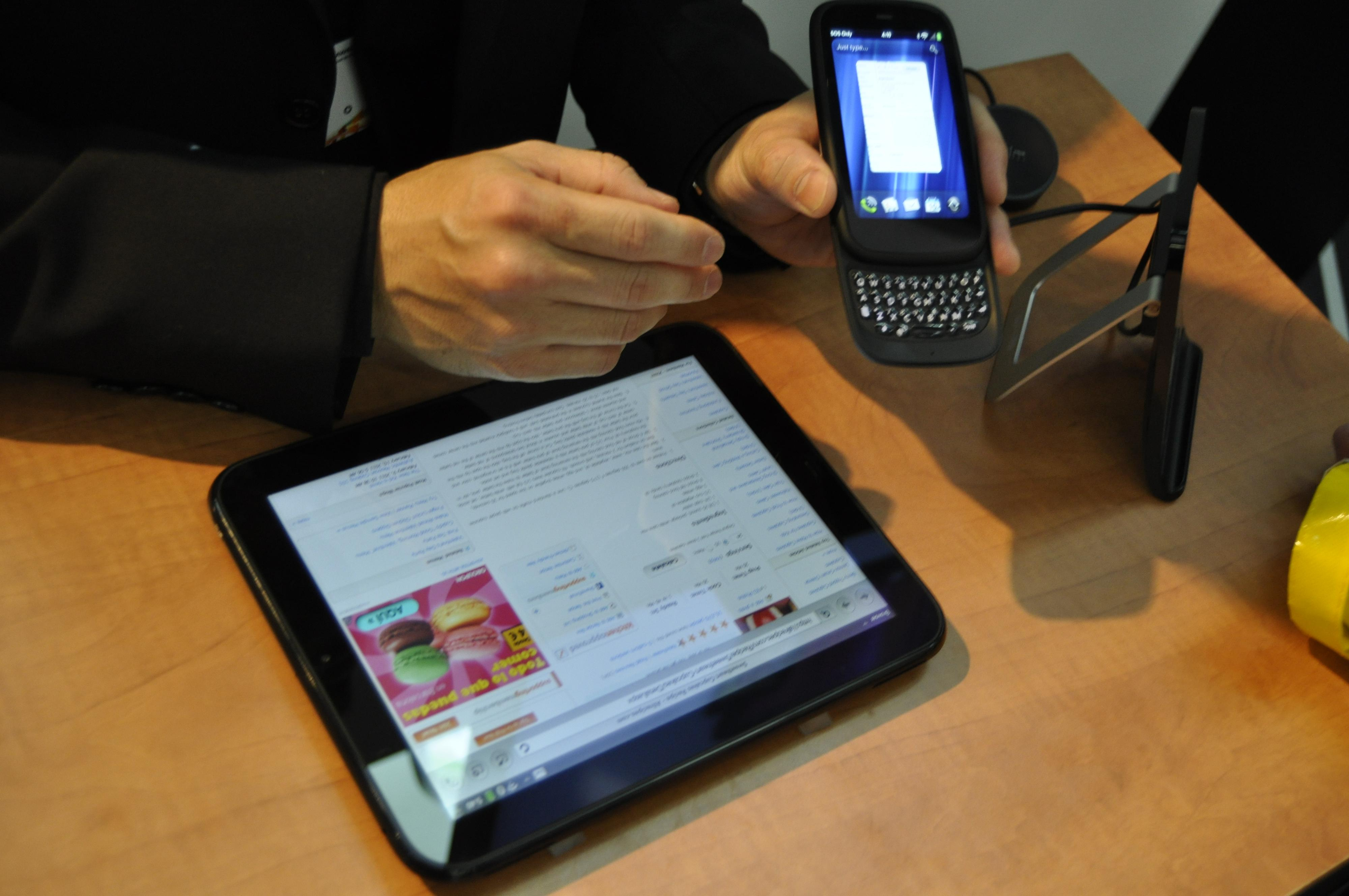 HP Pre³ og HP TouchPad ved siden av hverandre på Mobile World Congress i februar.