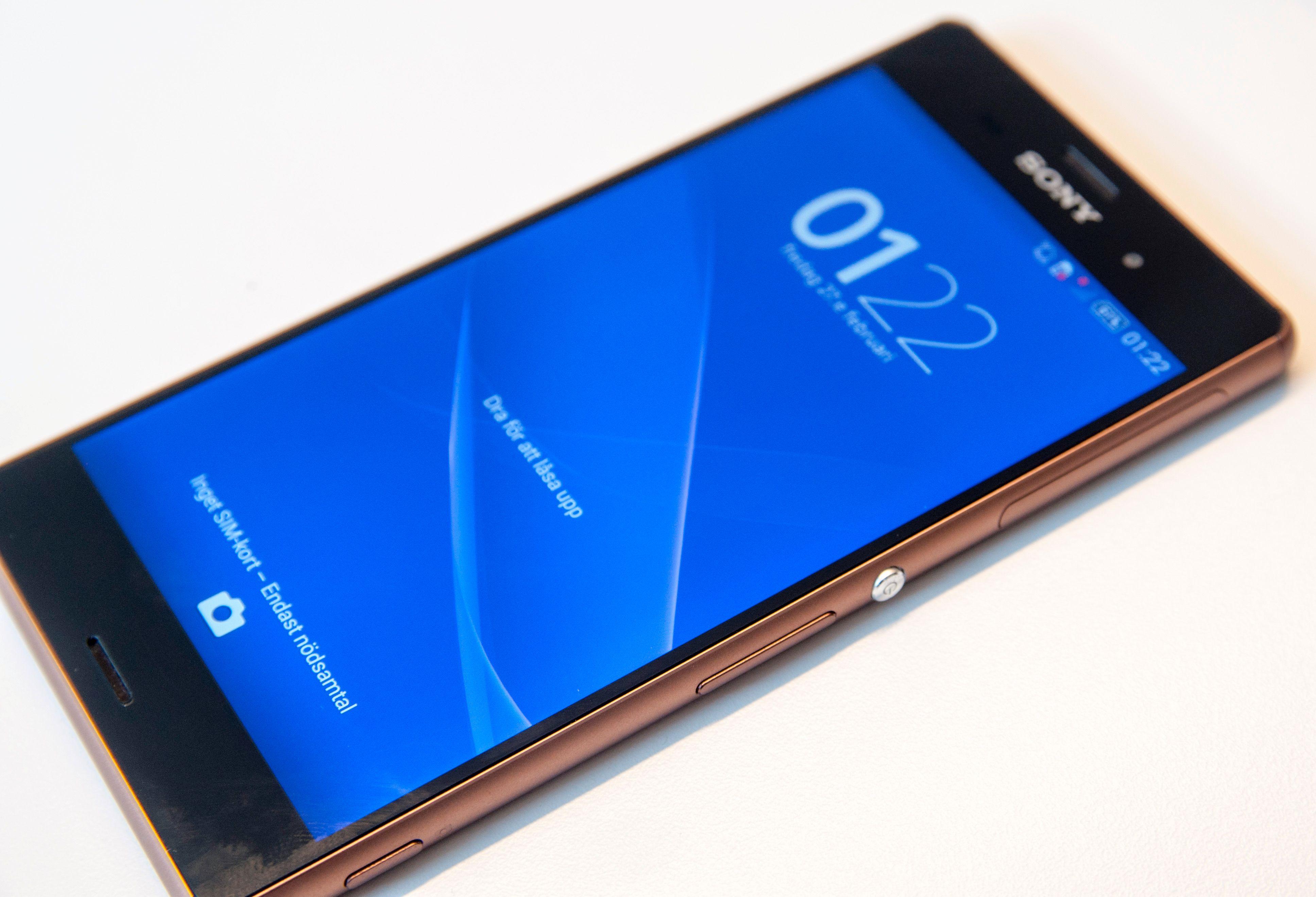 Sony trekker skjermen stadig lenger ut mot kantene av telefonen.Foto: Finn Jarle Kvalheim, Amobil.no
